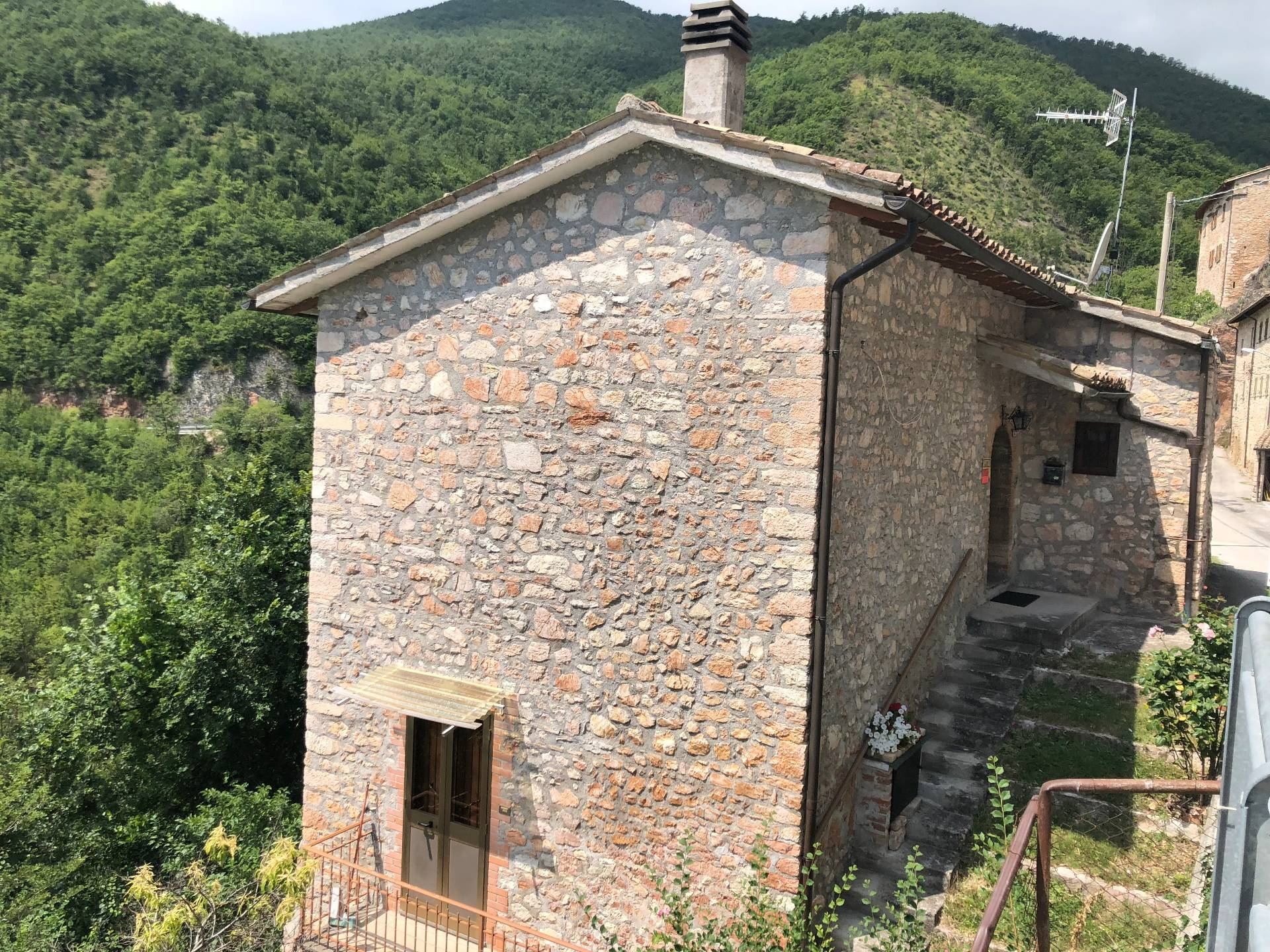 Altro in vendita a Vallo di Nera, 3 locali, zona Località: MonteFiorello, prezzo € 48.000   CambioCasa.it