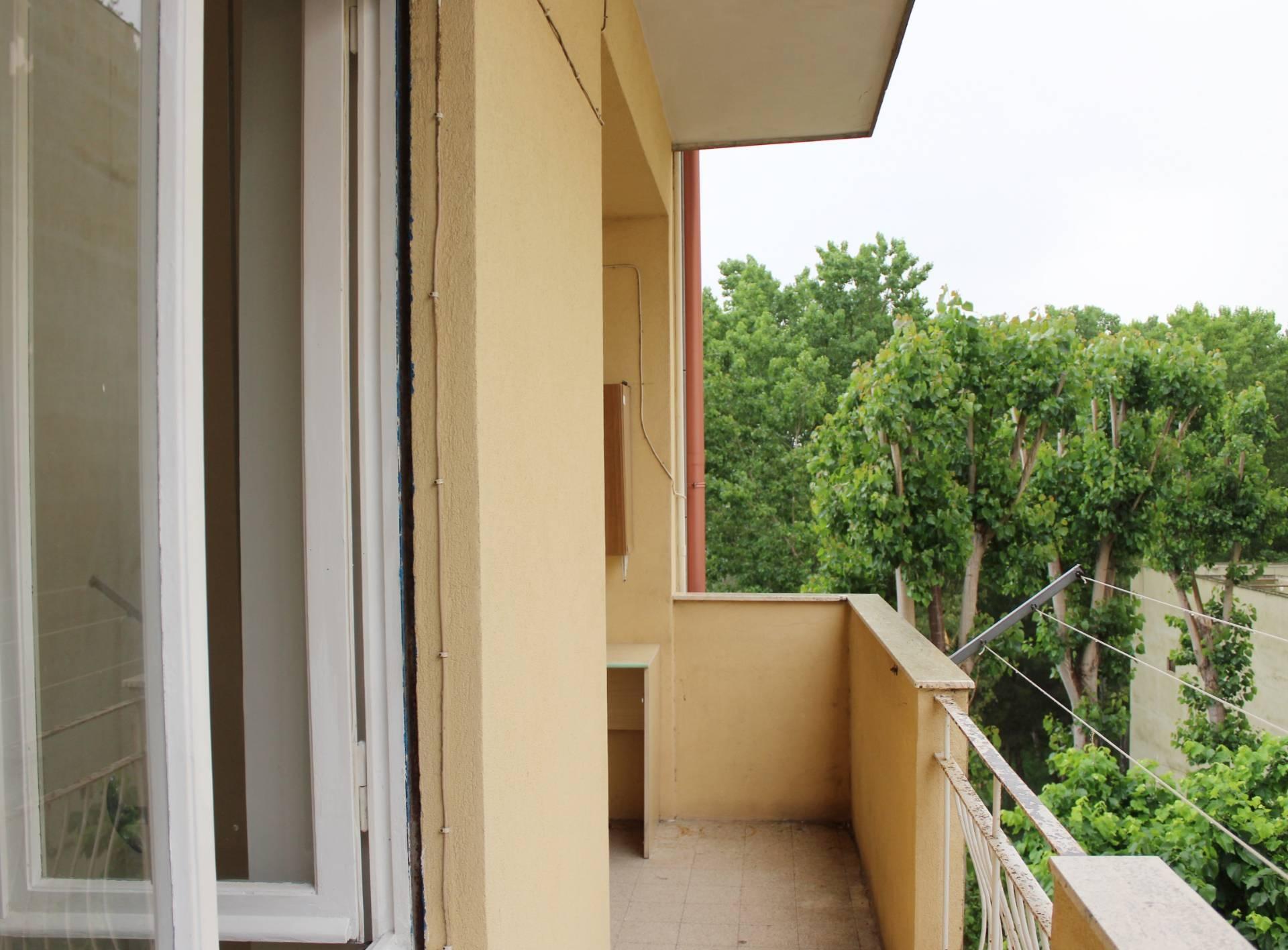 vendita appartamento brindisi   70000 euro  6 locali  93 mq