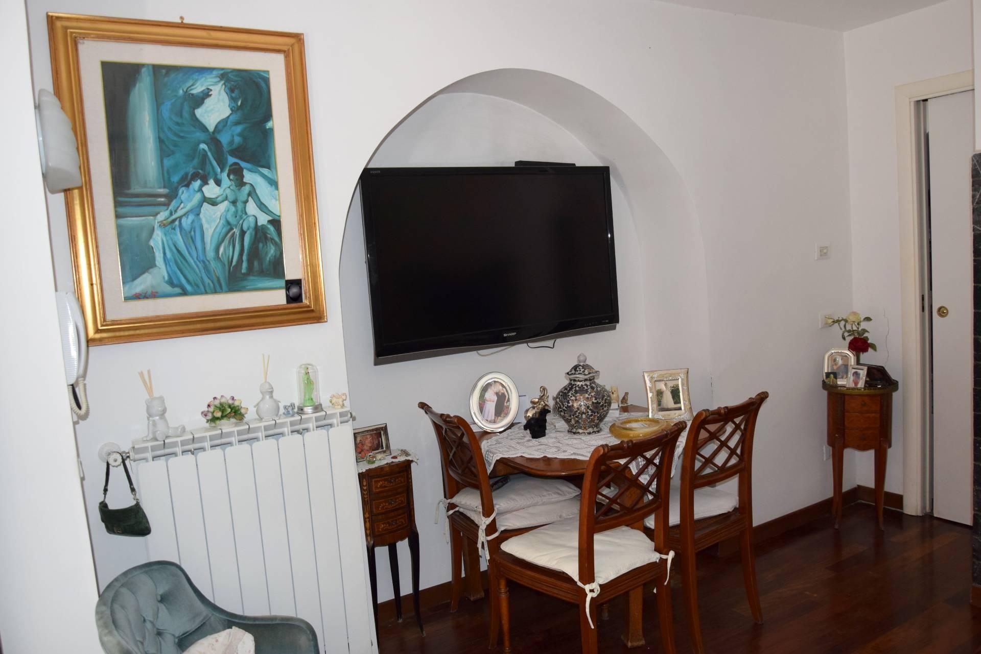 Cbi053 976 politeama a10 casa indipendente in vendita a for Affitto appartamento a10 roma