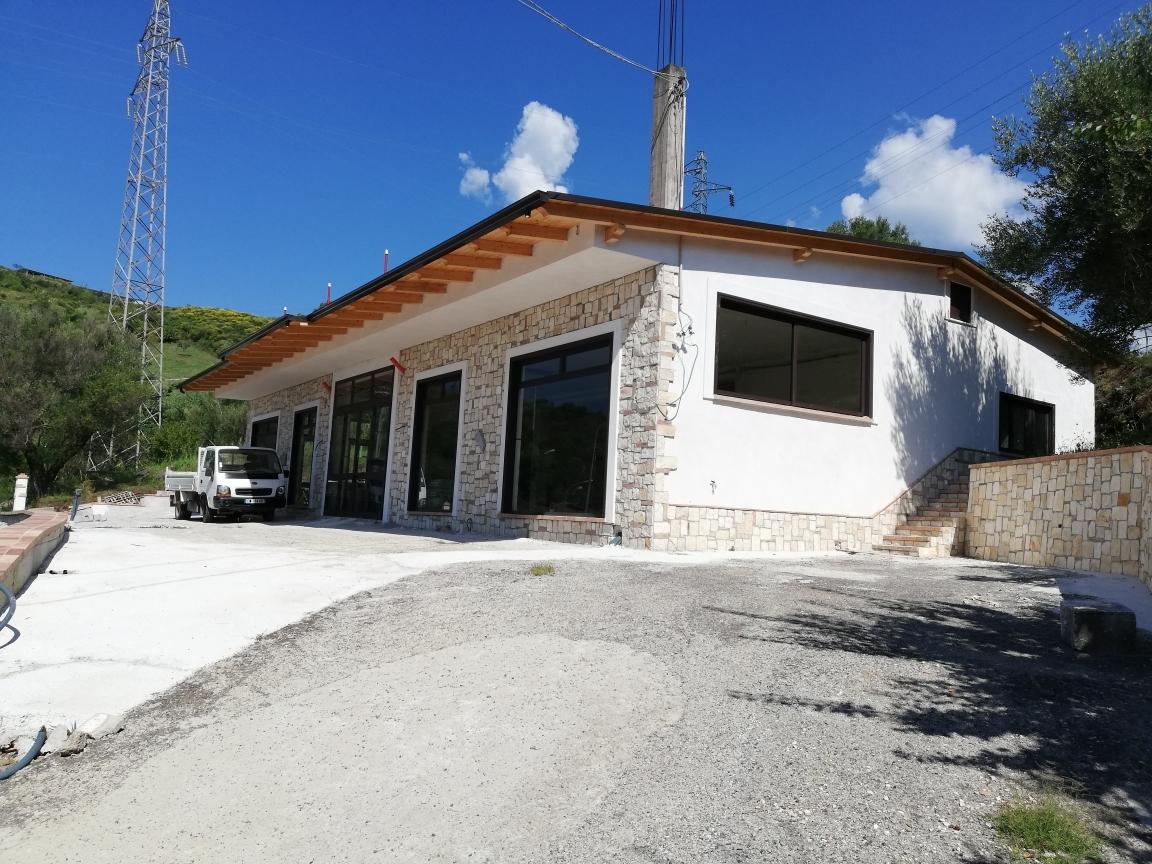 Negozio / Locale in affitto a Torre Orsaia, 9999 locali, prezzo € 700 | CambioCasa.it