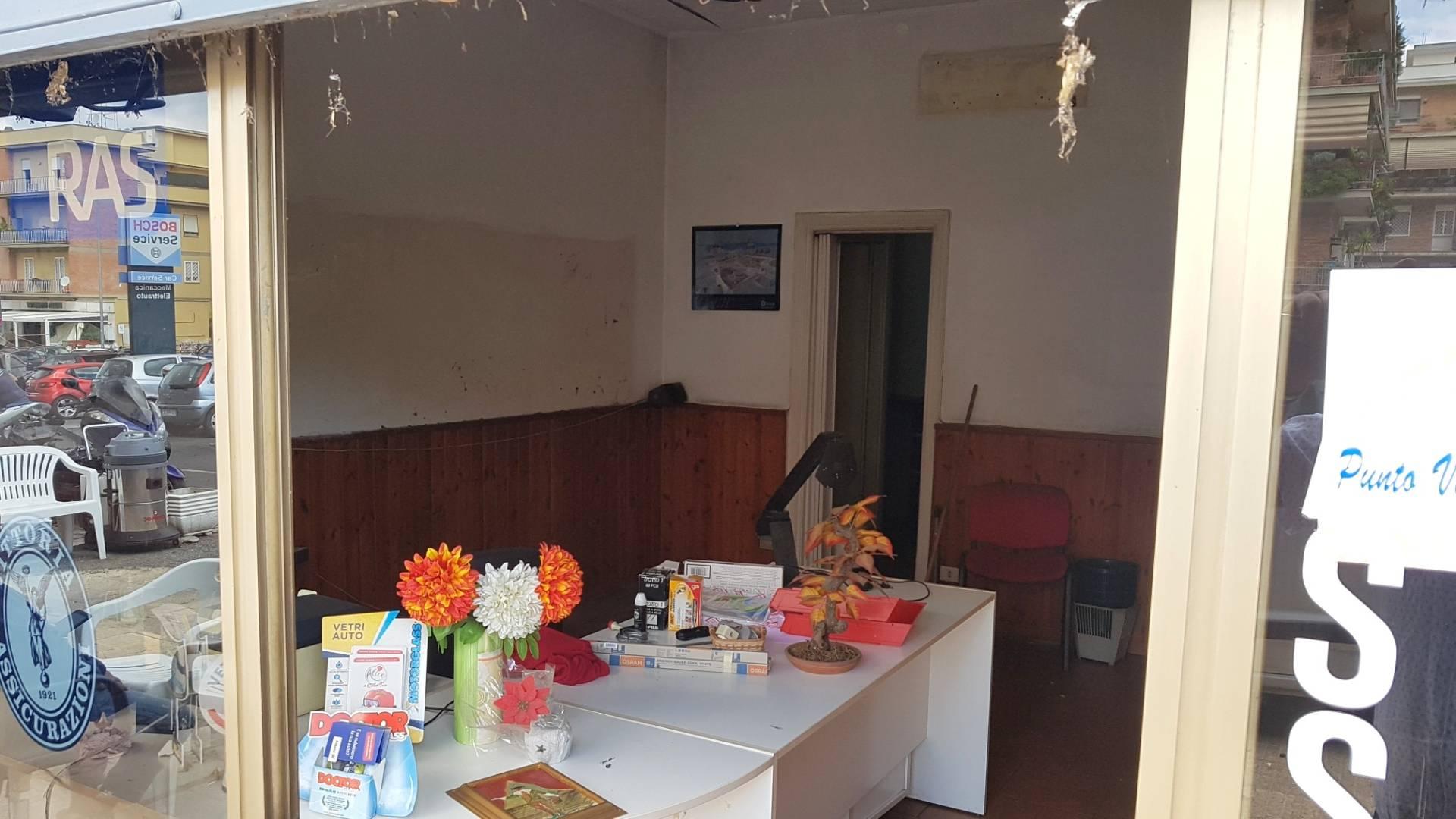 Cbi053 portuensec1 loc locale commerciale in affitto a for Affitto locale commerciale a roma