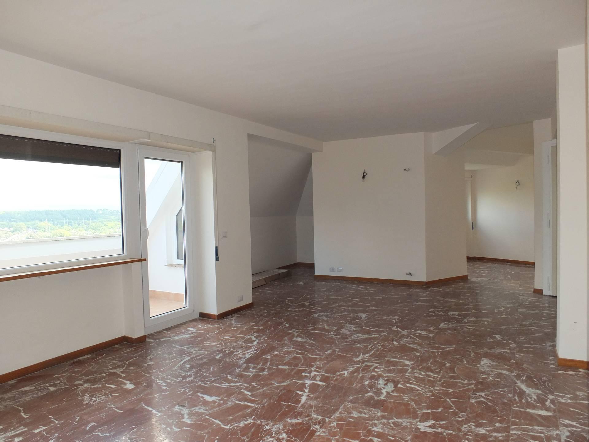 Appartamento in affitto a Roma, 4 locali, zona Zona: 32 - Fleming, Vignaclara, Ponte Milvio, prezzo € 1.450   CambioCasa.it
