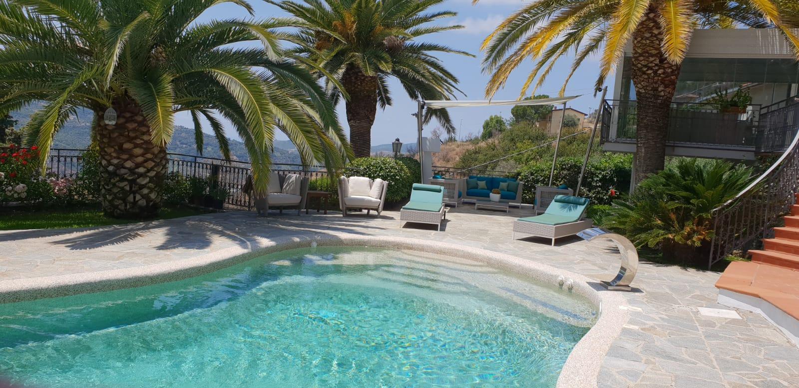 Villa in affitto a Torchiara, 8 locali, prezzo € 3.500 | CambioCasa.it