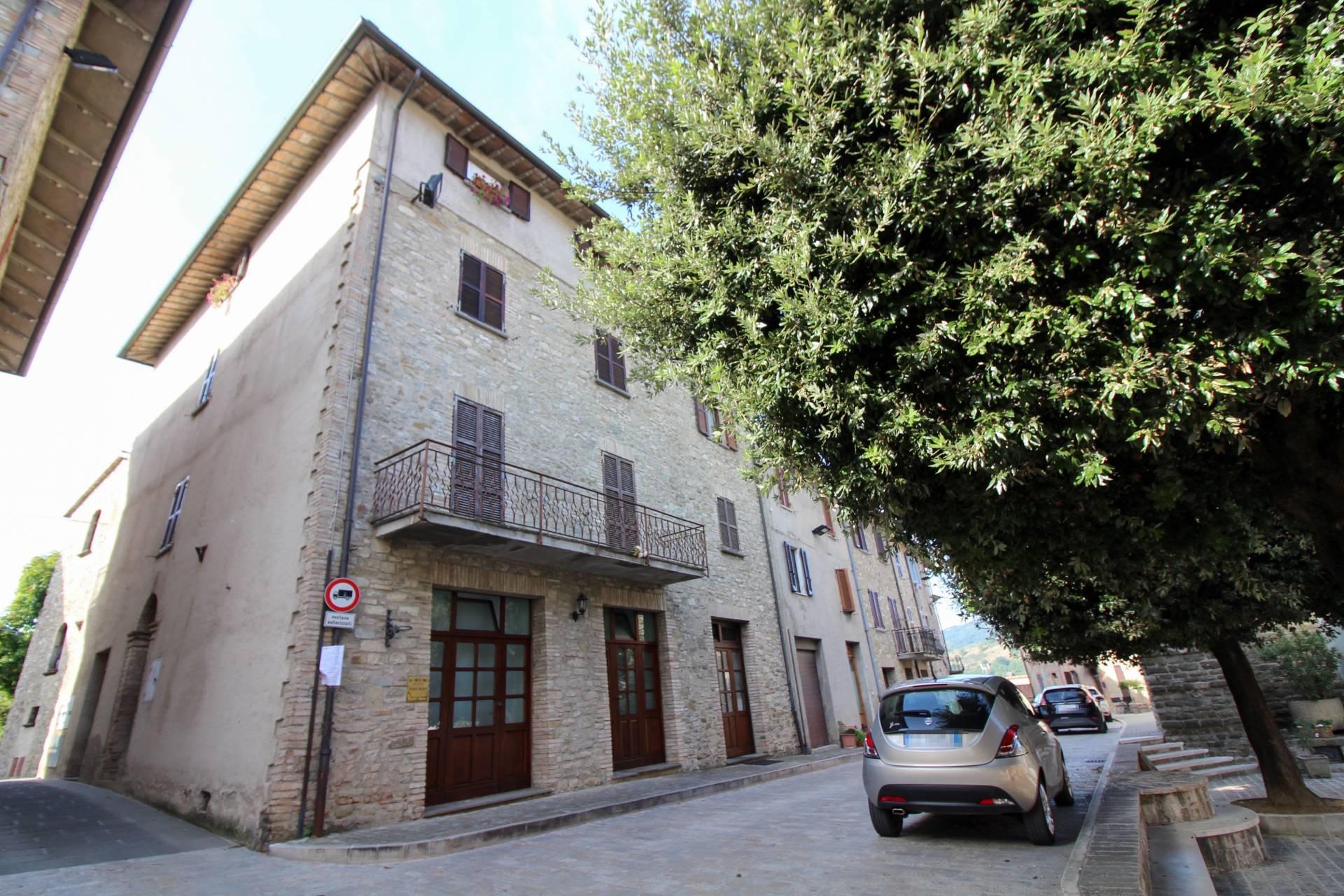 Appartamento in vendita a Valfabbrica, 3 locali, prezzo € 89.000 | CambioCasa.it