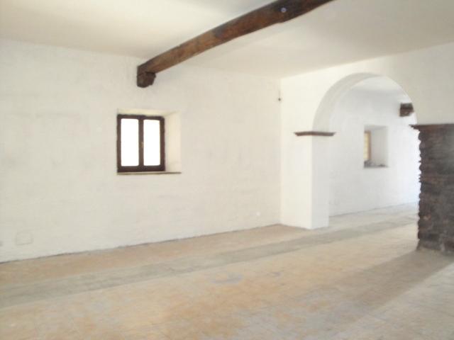Negozio / Locale in affitto a Viterbo, 9999 locali, zona Zona: Centro, Trattative riservate   CambioCasa.it