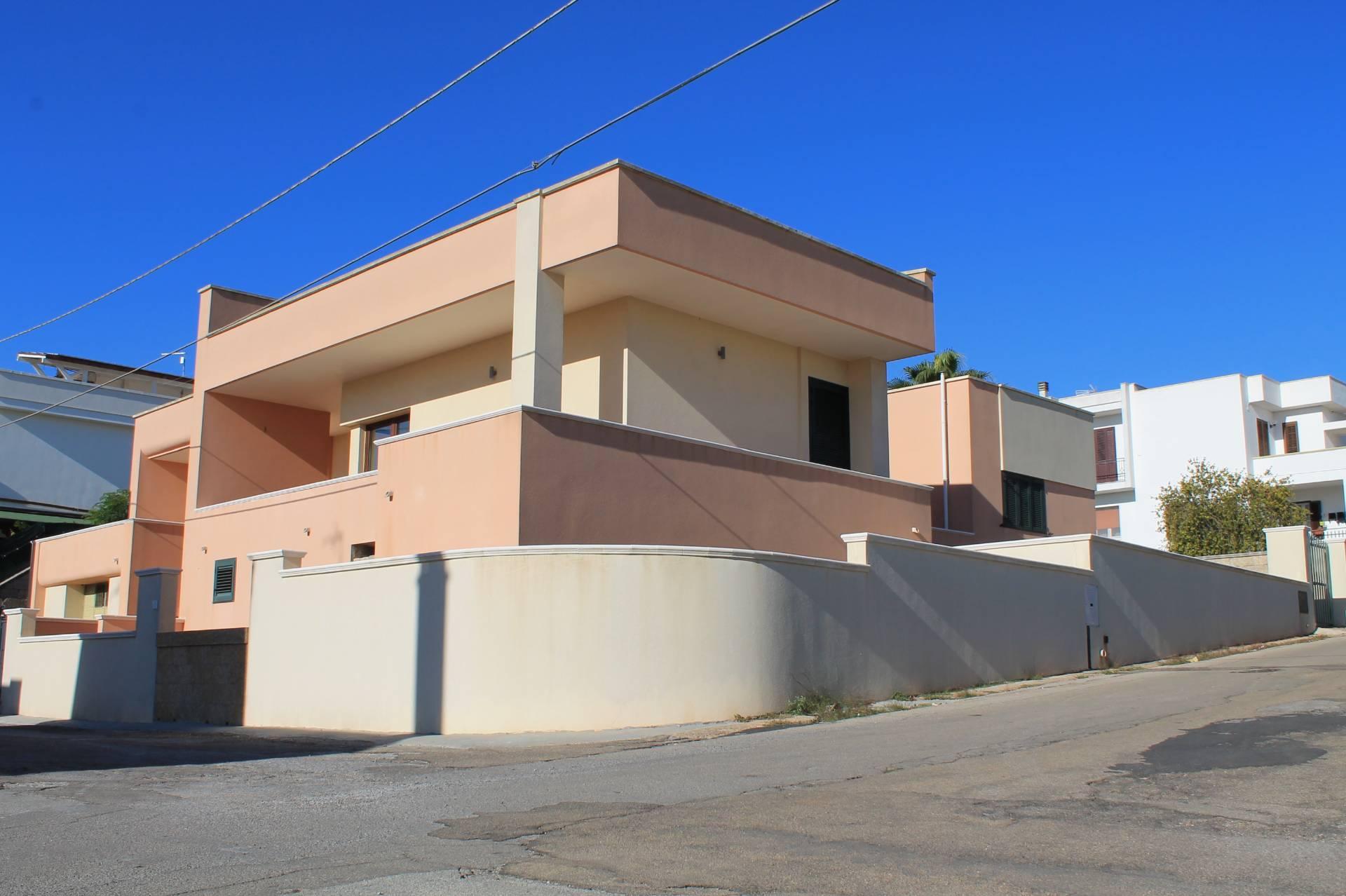 Soluzione Indipendente in vendita a Andrano, 4 locali, zona Zona: Castiglione, prezzo € 195.000 | CambioCasa.it