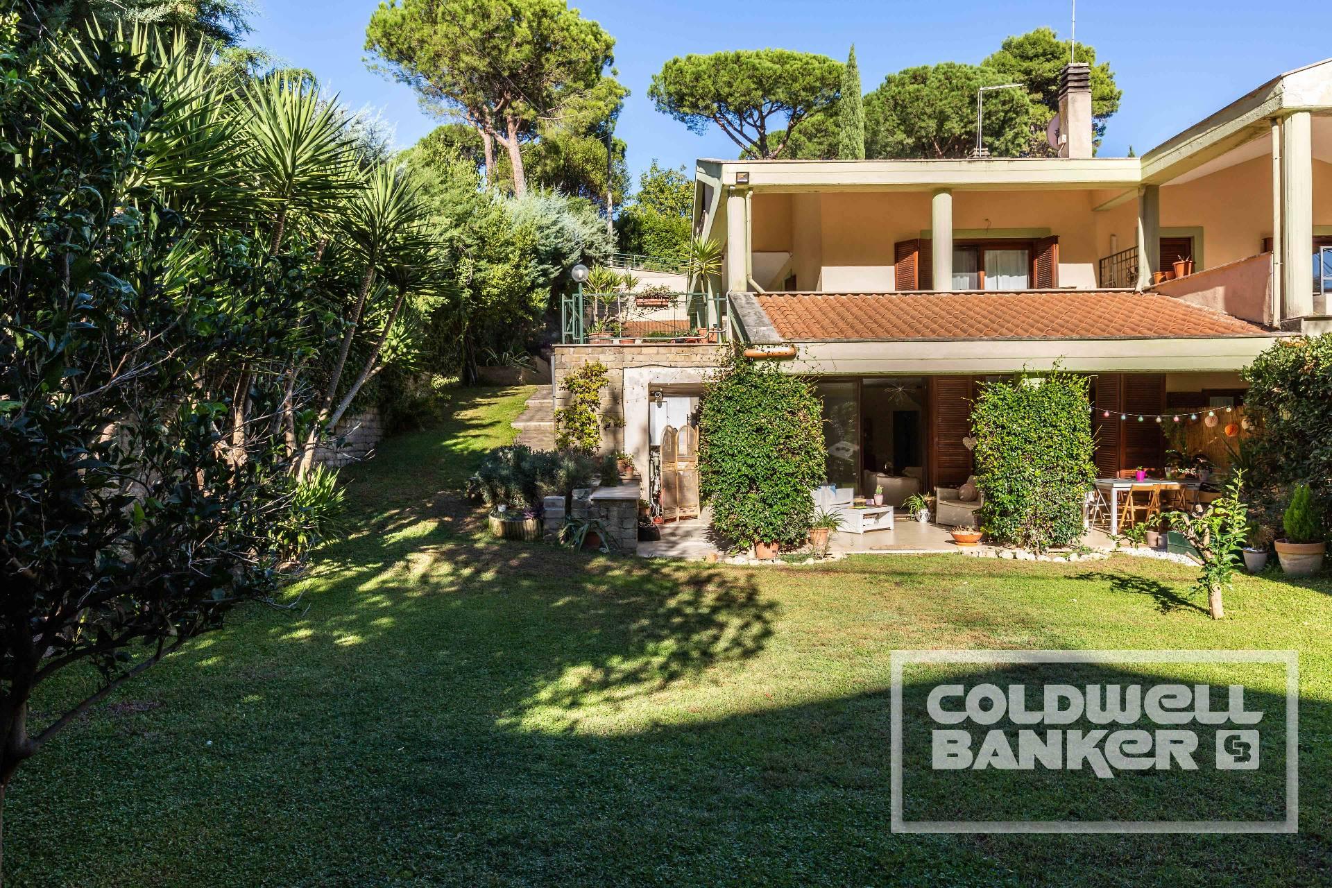 Villa in vendita a Castelnuovo di Porto, 6 locali, prezzo € 250.000 | CambioCasa.it