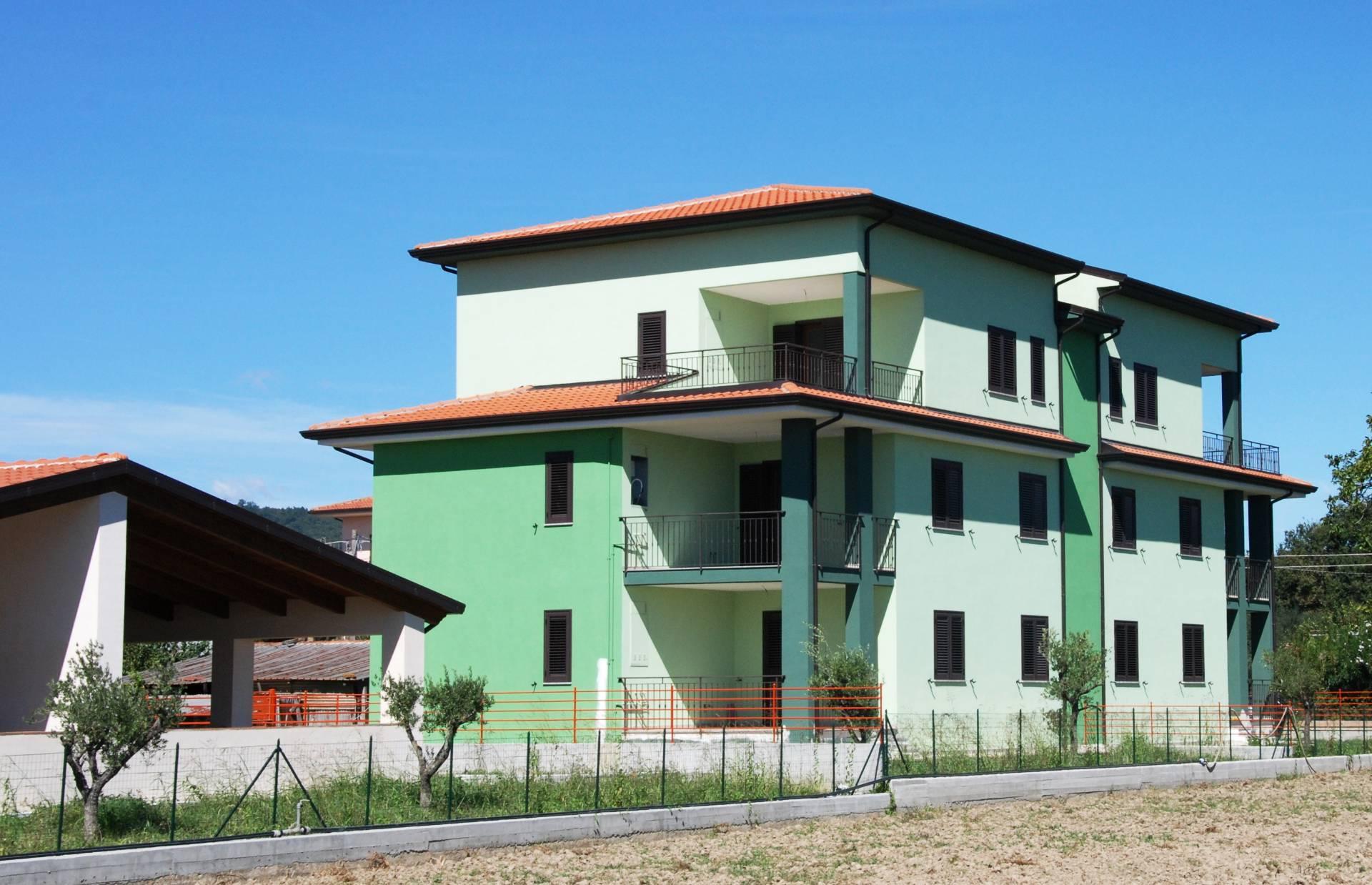 Appartamento in vendita a Casal Velino, 4 locali, zona Località: BiviodiAcquavella, prezzo € 150.000   CambioCasa.it