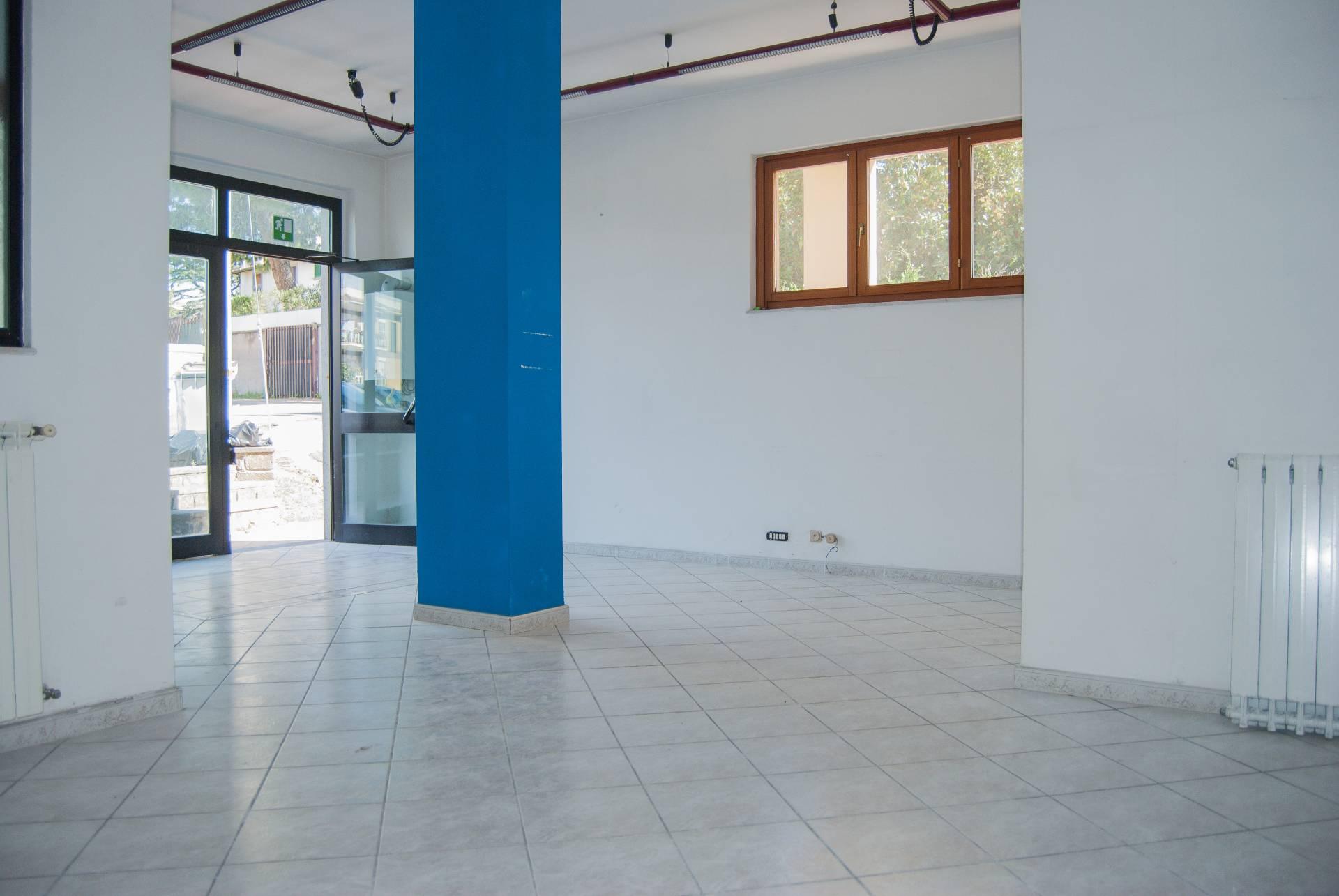 Negozio / Locale in vendita a Viterbo, 9999 locali, zona Località: Garbini-Palazzina, prezzo € 79.000   CambioCasa.it