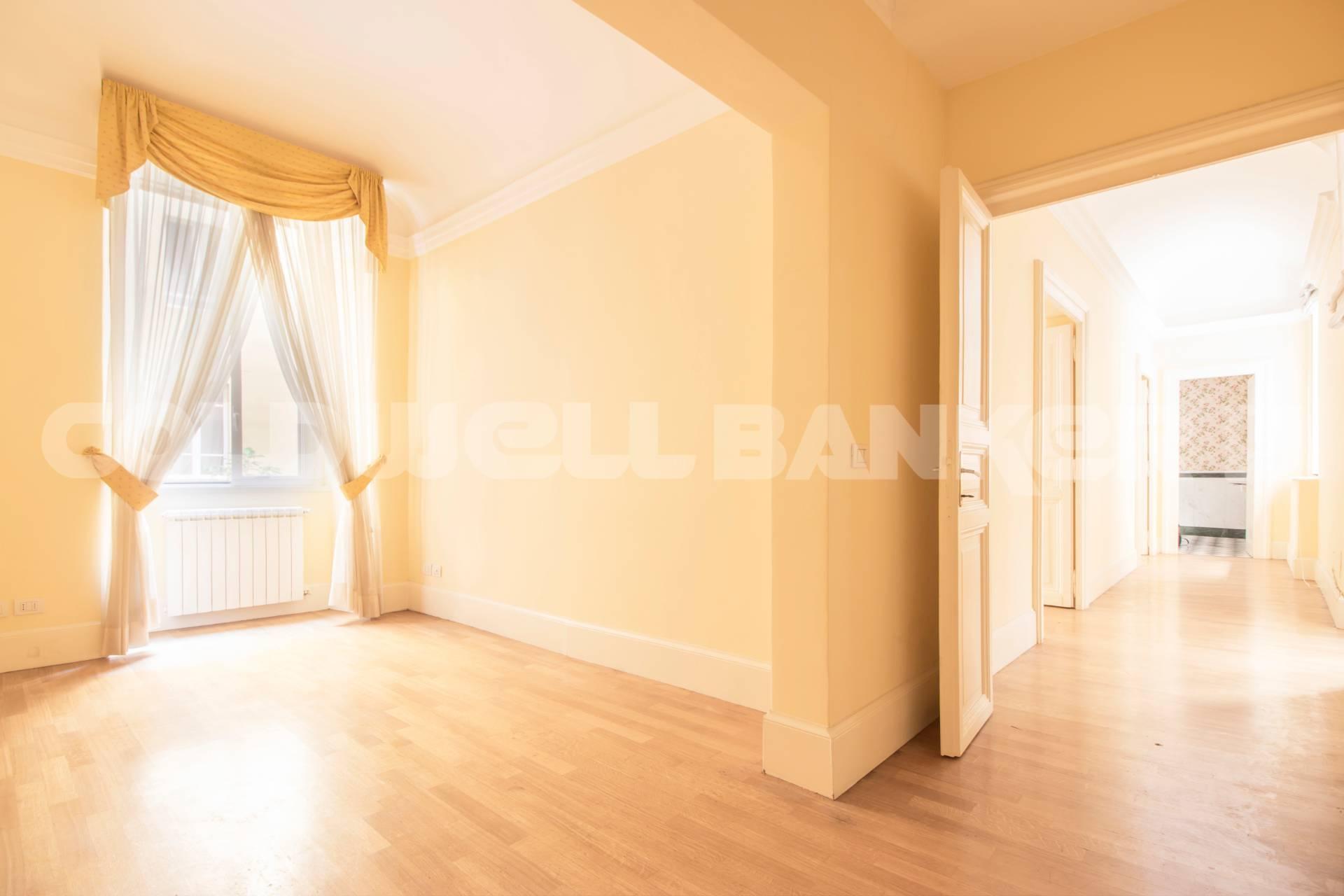 Cbi072 821 ex1188 appartamento in vendita a roma prati for Appartamento ufficio roma