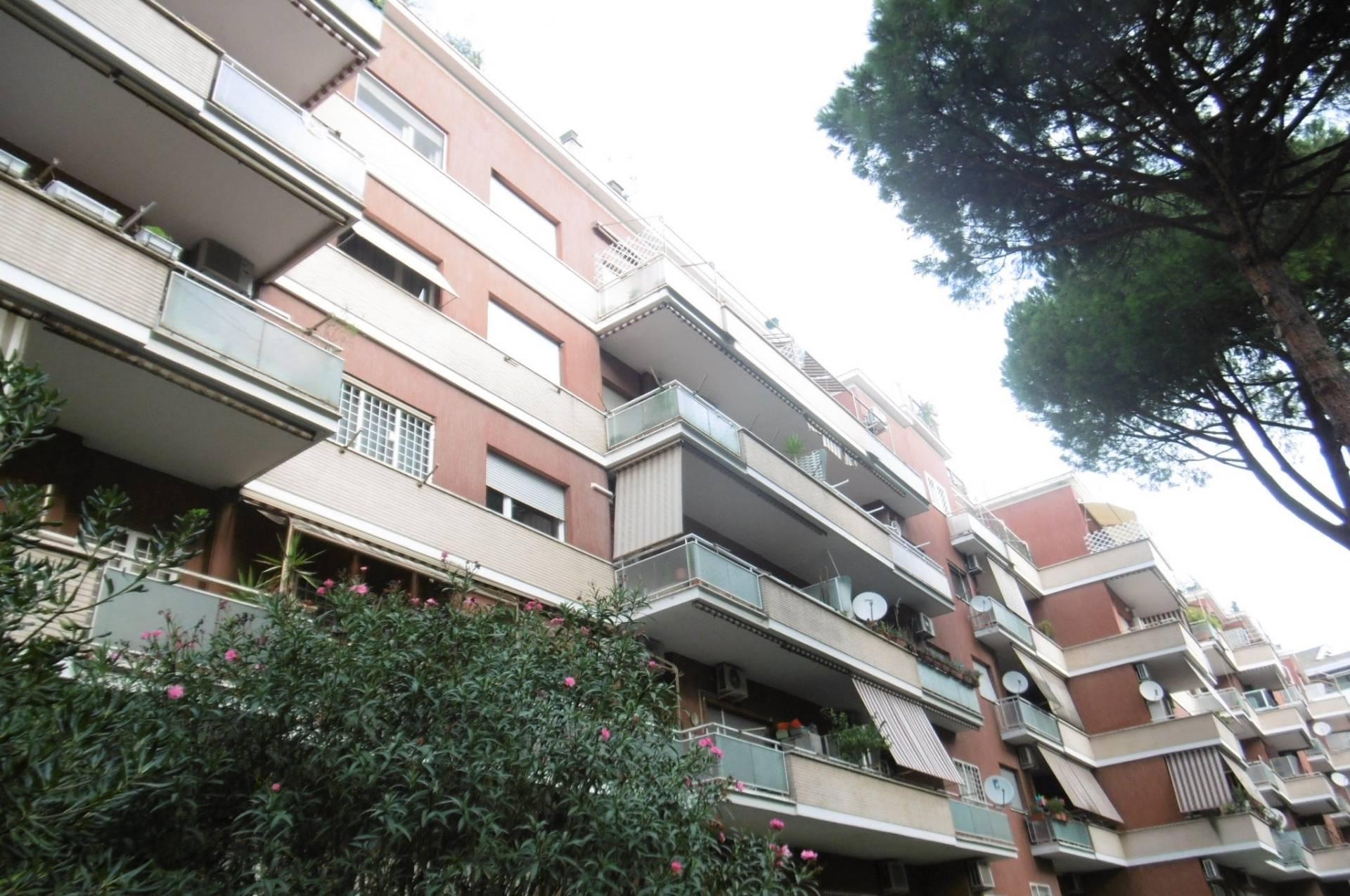 affitto appartamento roma talenti  1100 euro  3 locali  100 mq