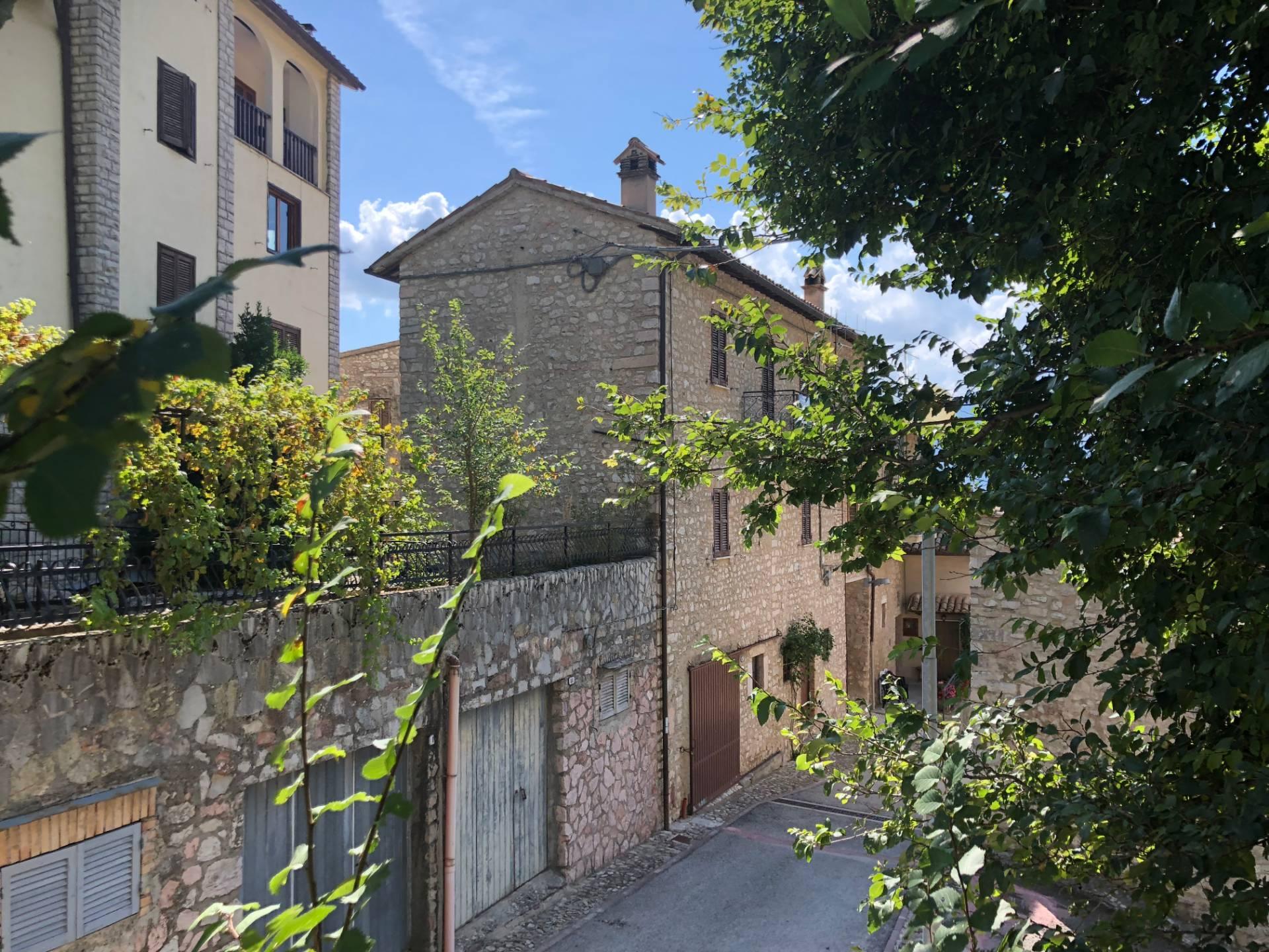 Rustico / Casale in vendita a Vallo di Nera, 5 locali, zona Zona: Meggiano, prezzo € 55.000 | CambioCasa.it