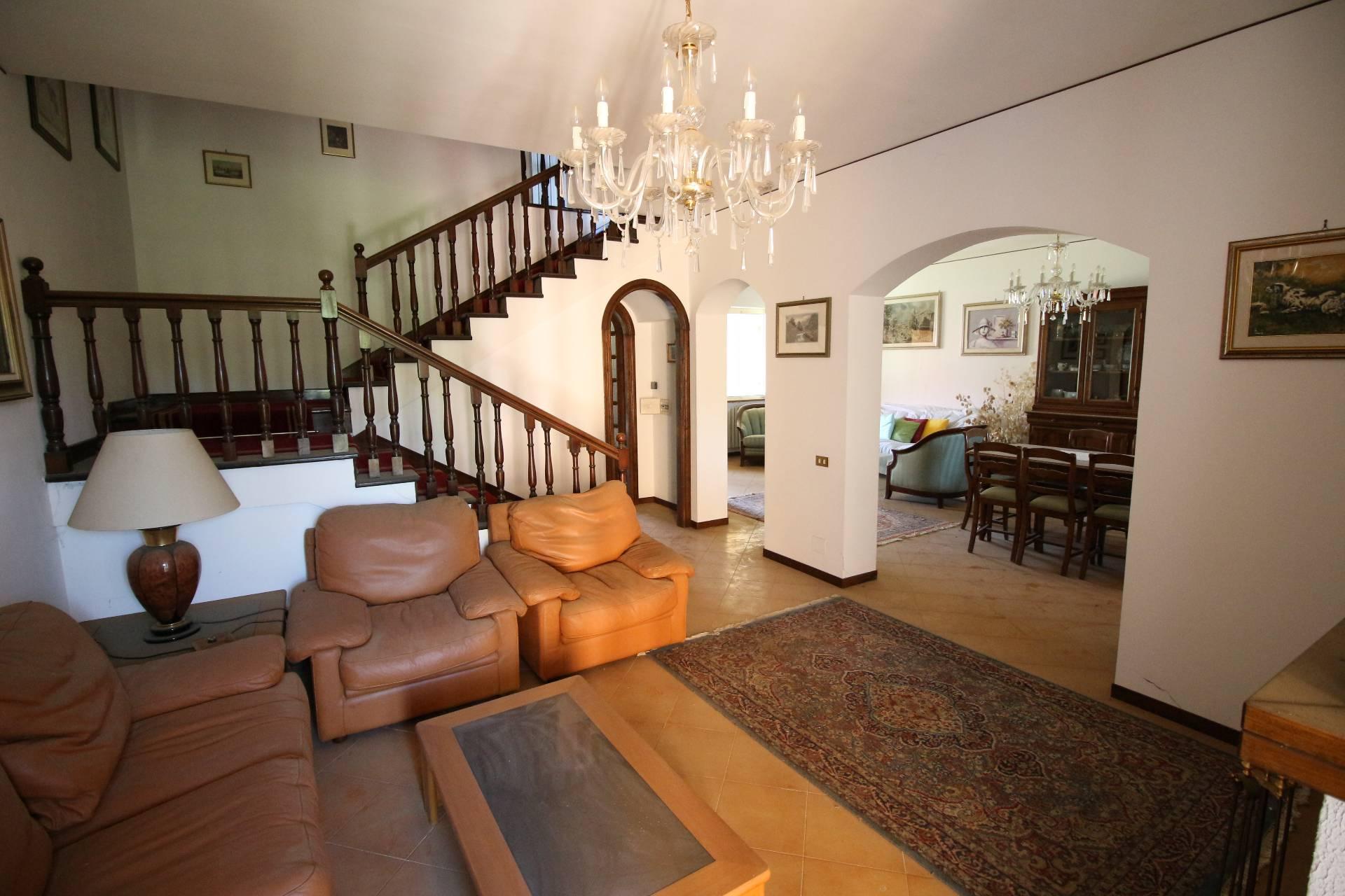 Villa a Schiera in vendita a Canepina, 6 locali, prezzo € 220.000 | CambioCasa.it