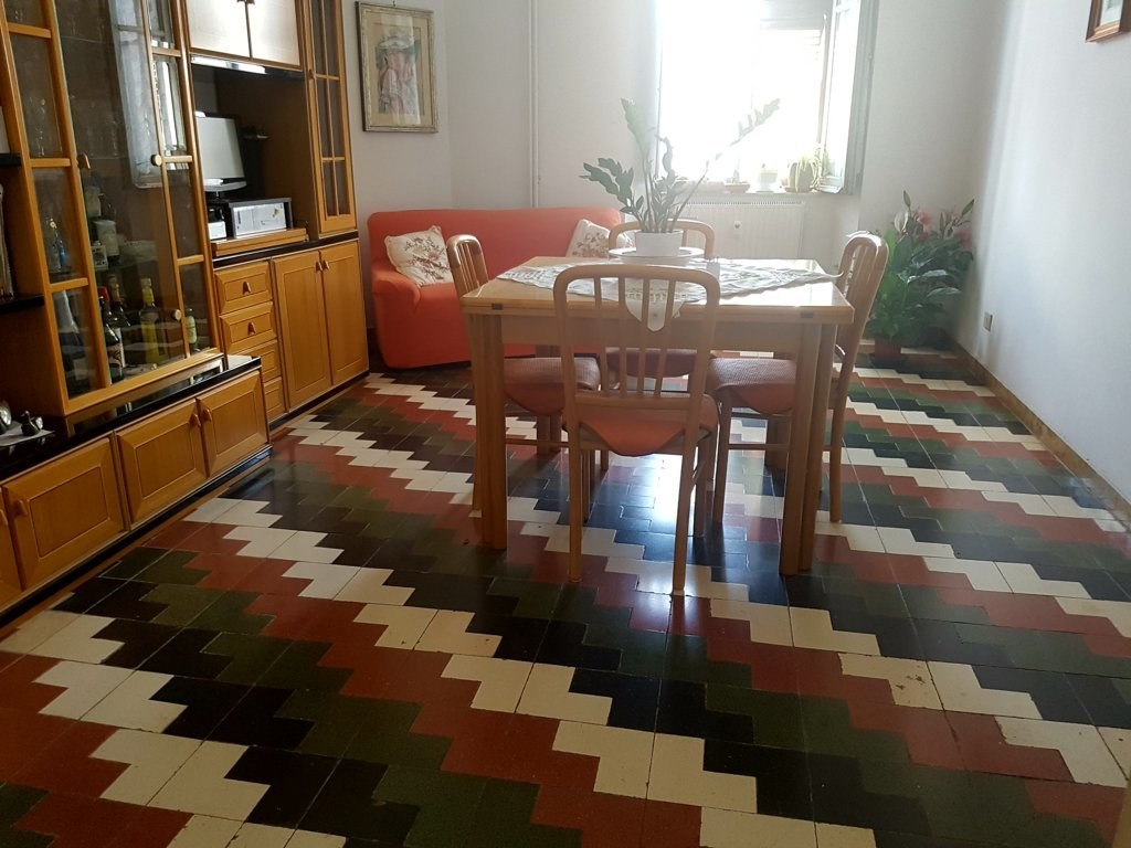 Appartamento in vendita a Viterbo, 5 locali, zona Zona: Semicentro, prezzo € 85.000 | CambioCasa.it