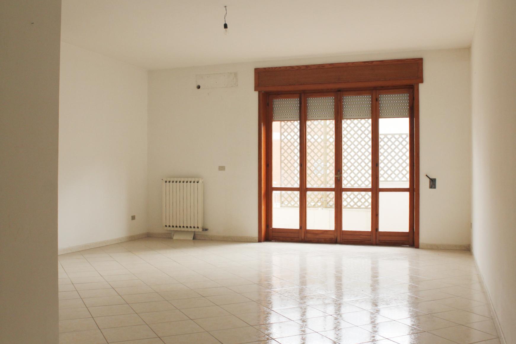 Appartamento in vendita a Maglie, 4 locali, prezzo € 79.000 | CambioCasa.it