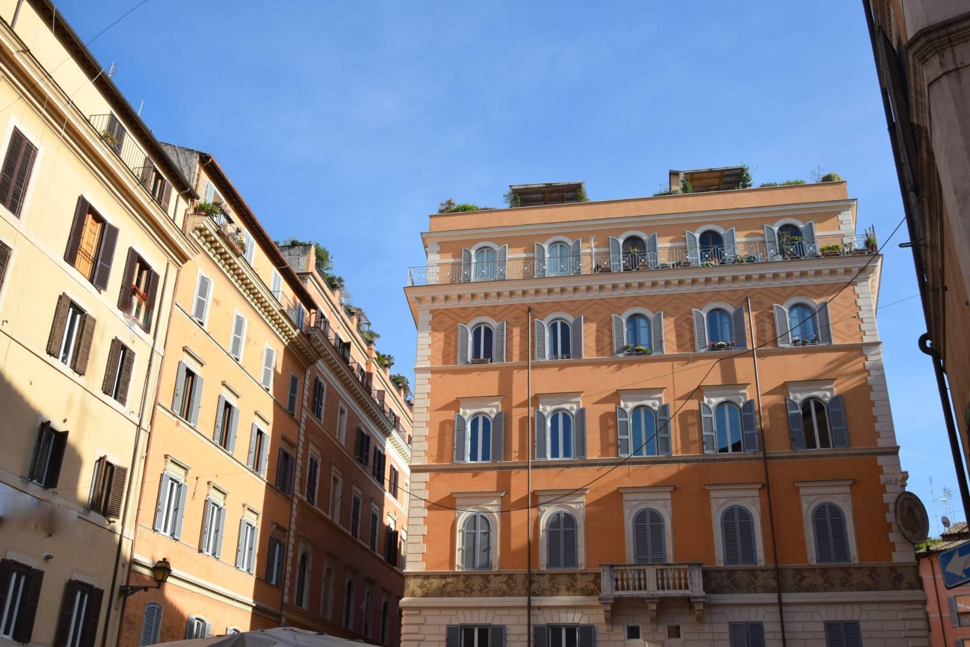 Attività / Licenza in vendita a Roma, 9999 locali, zona Località: CentroStorico, prezzo € 399.000   CambioCasa.it