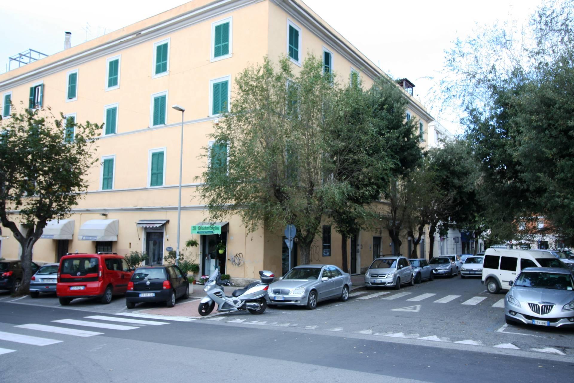 Appartamento in vendita a Civitavecchia, 5 locali, zona Località: Centrale-CorsoCentoCelle, prezzo € 145.000 | CambioCasa.it