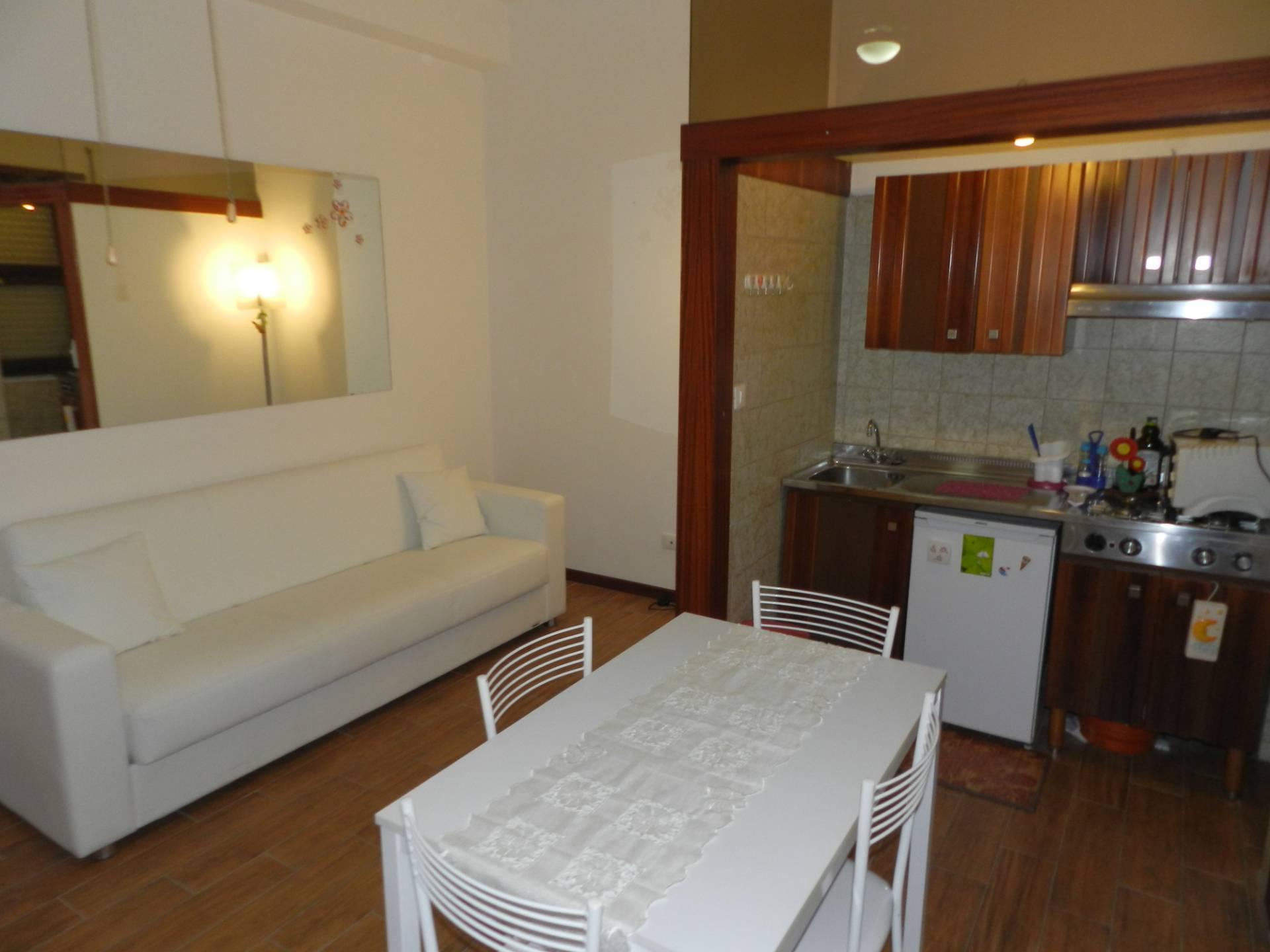Appartamento in affitto a Santa Marinella, 2 locali, zona Località: Centro, prezzo € 450   CambioCasa.it