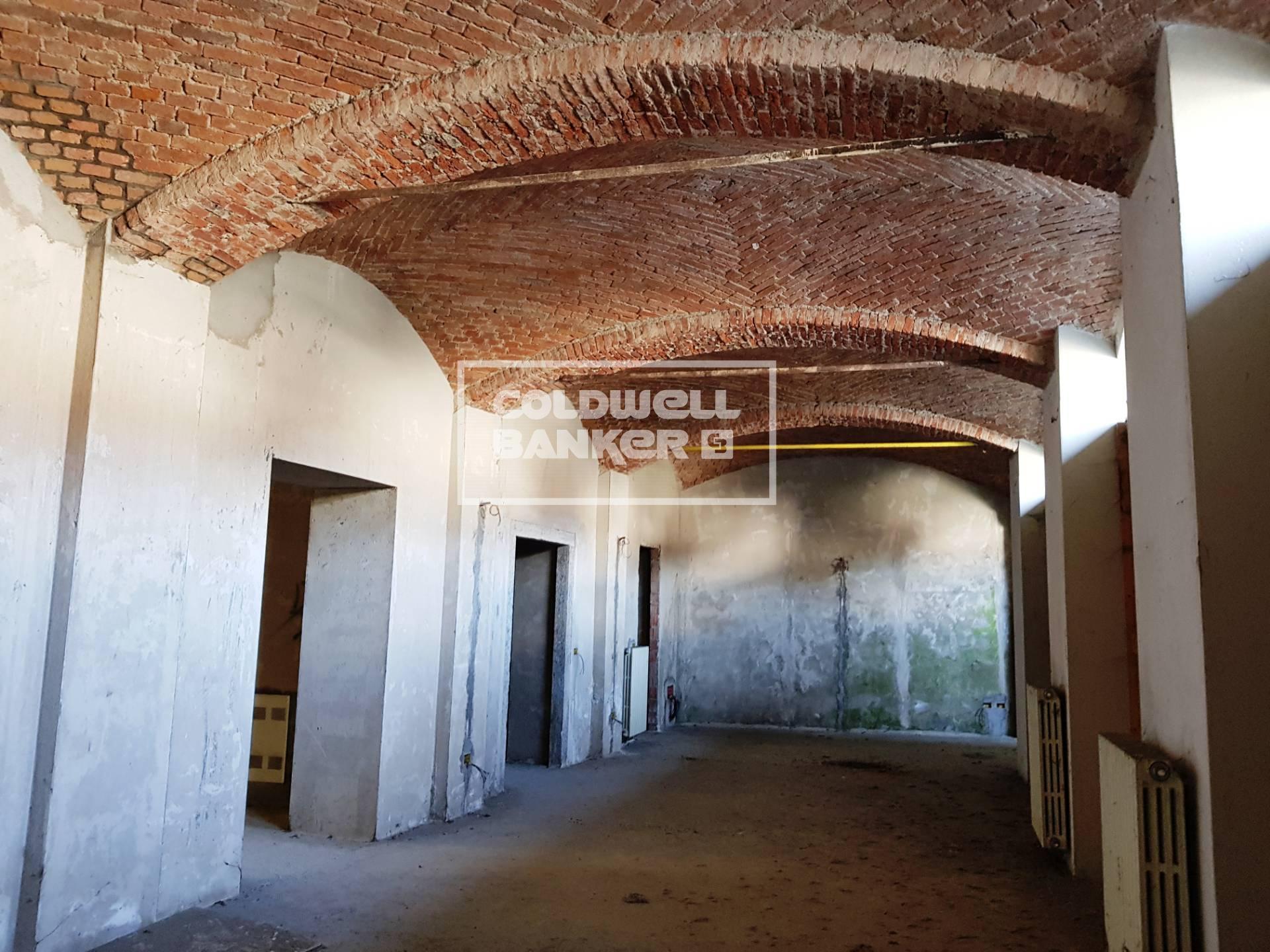 Negozio / Locale in vendita a Inarzo, 9999 locali, prezzo € 130.000 | CambioCasa.it