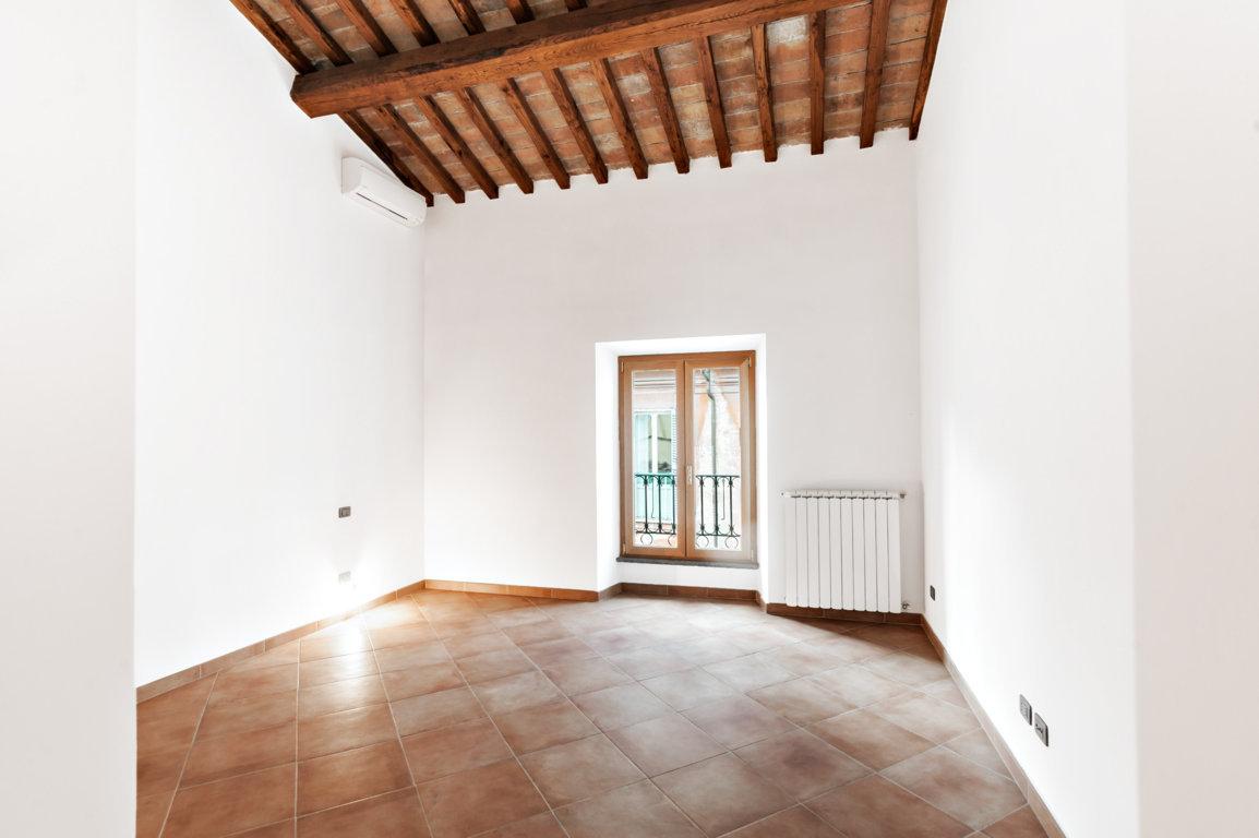 Cbi072 ex1286 appartamento in affitto a roma centro for Locali commerciali in affitto roma centro