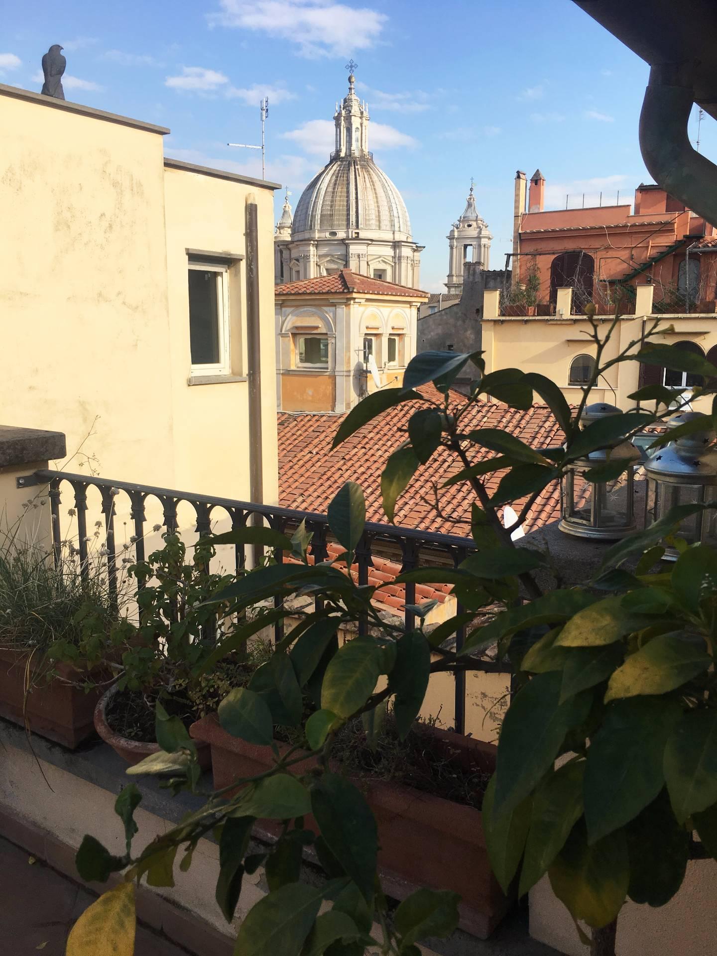 Cbi072 ex1289 attico in affitto a roma centro storico for Affitto ufficio centro storico roma