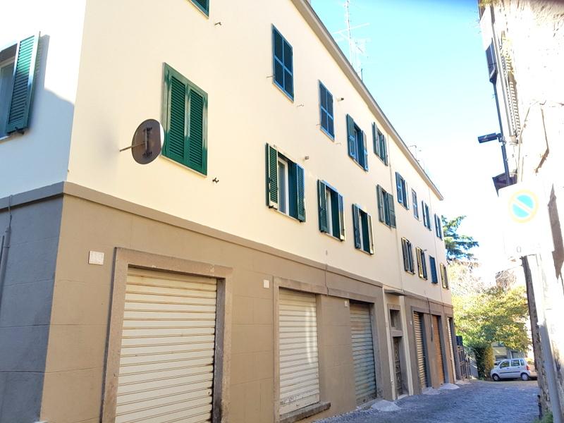 Appartamento in vendita a Viterbo, 4 locali, zona Zona: Centro, prezzo € 125.000   CambioCasa.it