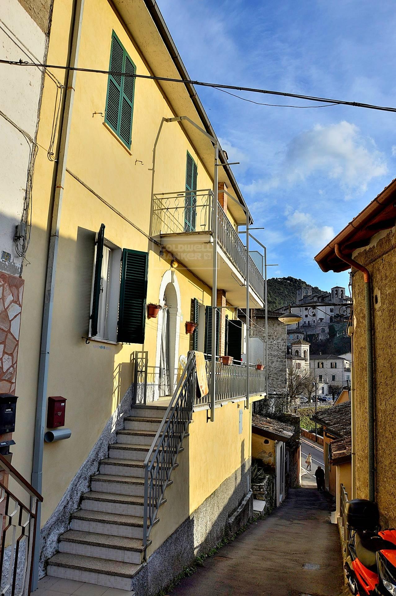 Appartamento in vendita a Arrone, 4 locali, zona Località: Arrone-Centro, prezzo € 67.000 | CambioCasa.it