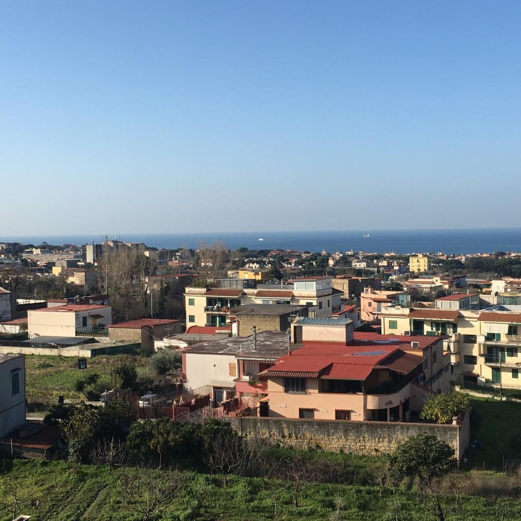 Appartamento in vendita a Ercolano, 4 locali, prezzo € 199.000 | CambioCasa.it