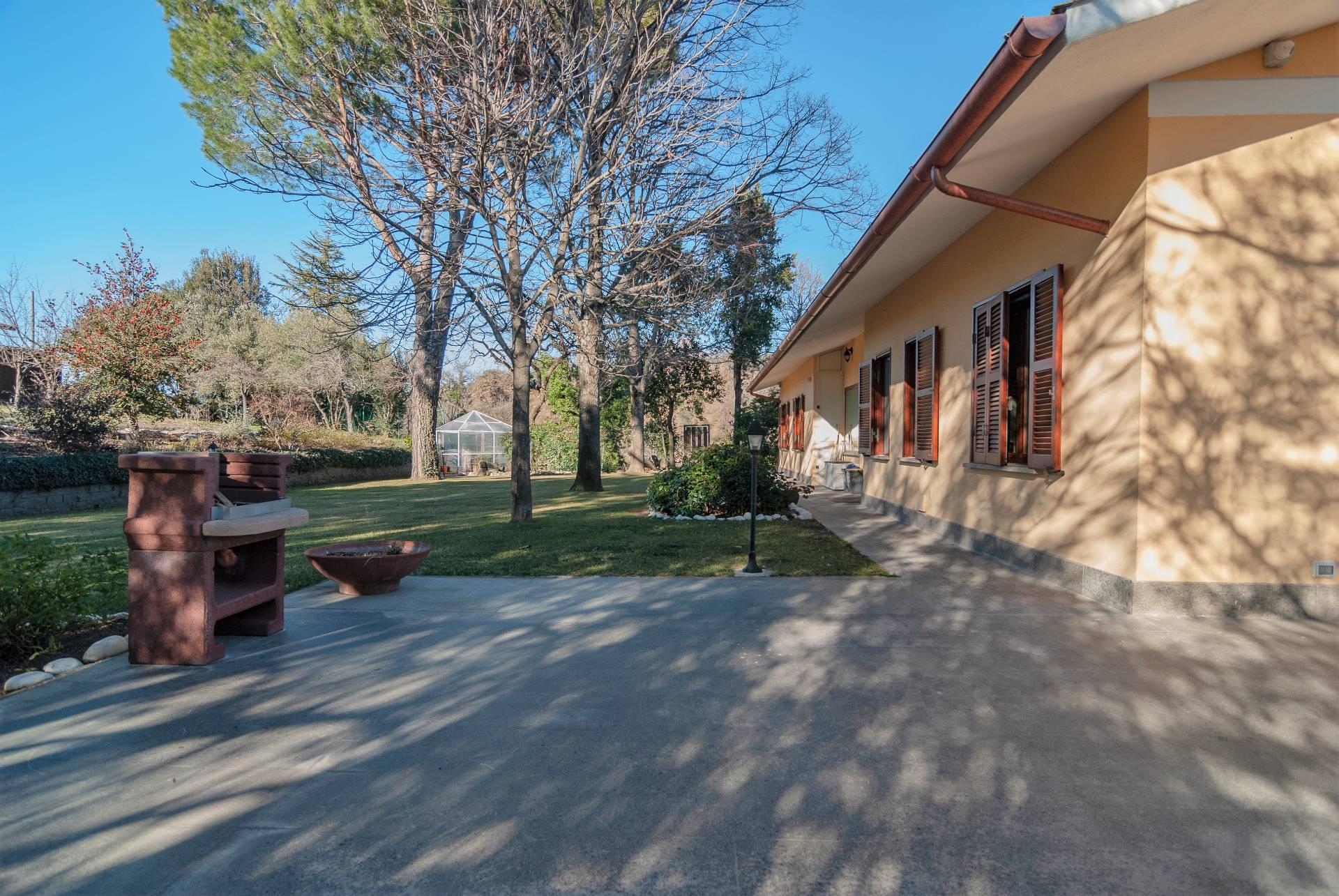 Villa in vendita a Viterbo, 8 locali, zona Zona: Periferia, prezzo € 525.000 | CambioCasa.it