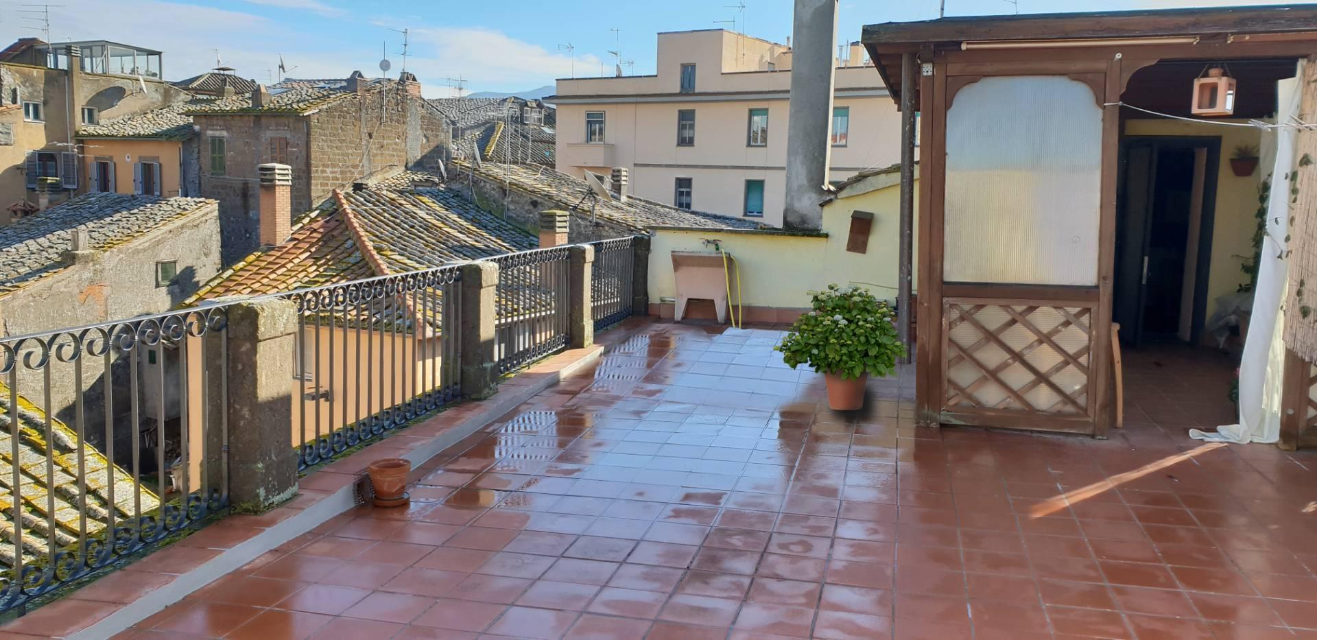 Appartamento in vendita a Viterbo, 5 locali, zona Zona: Centro, prezzo € 195.000 | CambioCasa.it