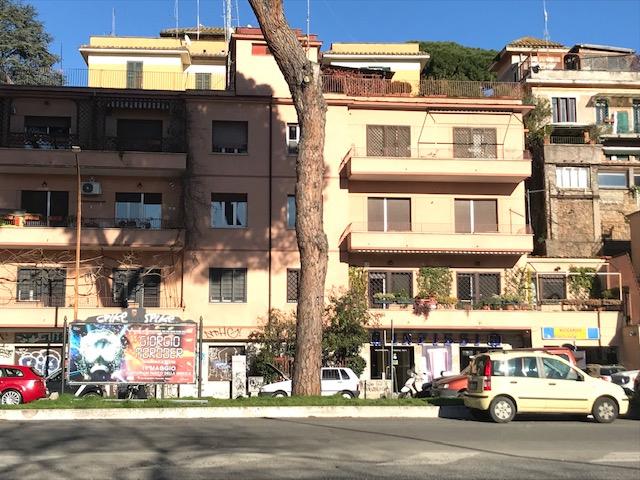 Cbi048 189 bu1020h49 appartamento in vendita a roma montesacro - Appartamento in vendita citta giardino roma ...