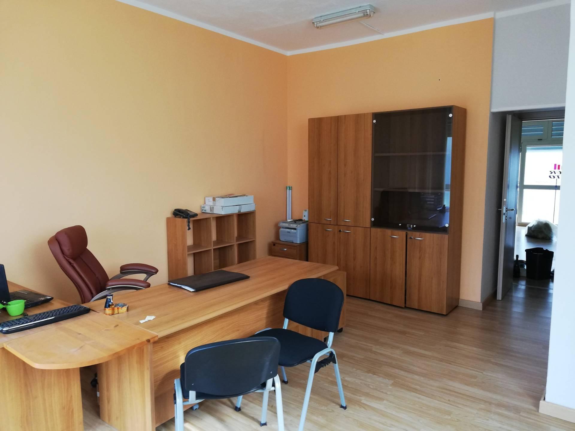 Negozio / Locale in affitto a Santa Marina, 9999 locali, zona Località: PolicastroBussentino, prezzo € 600 | CambioCasa.it