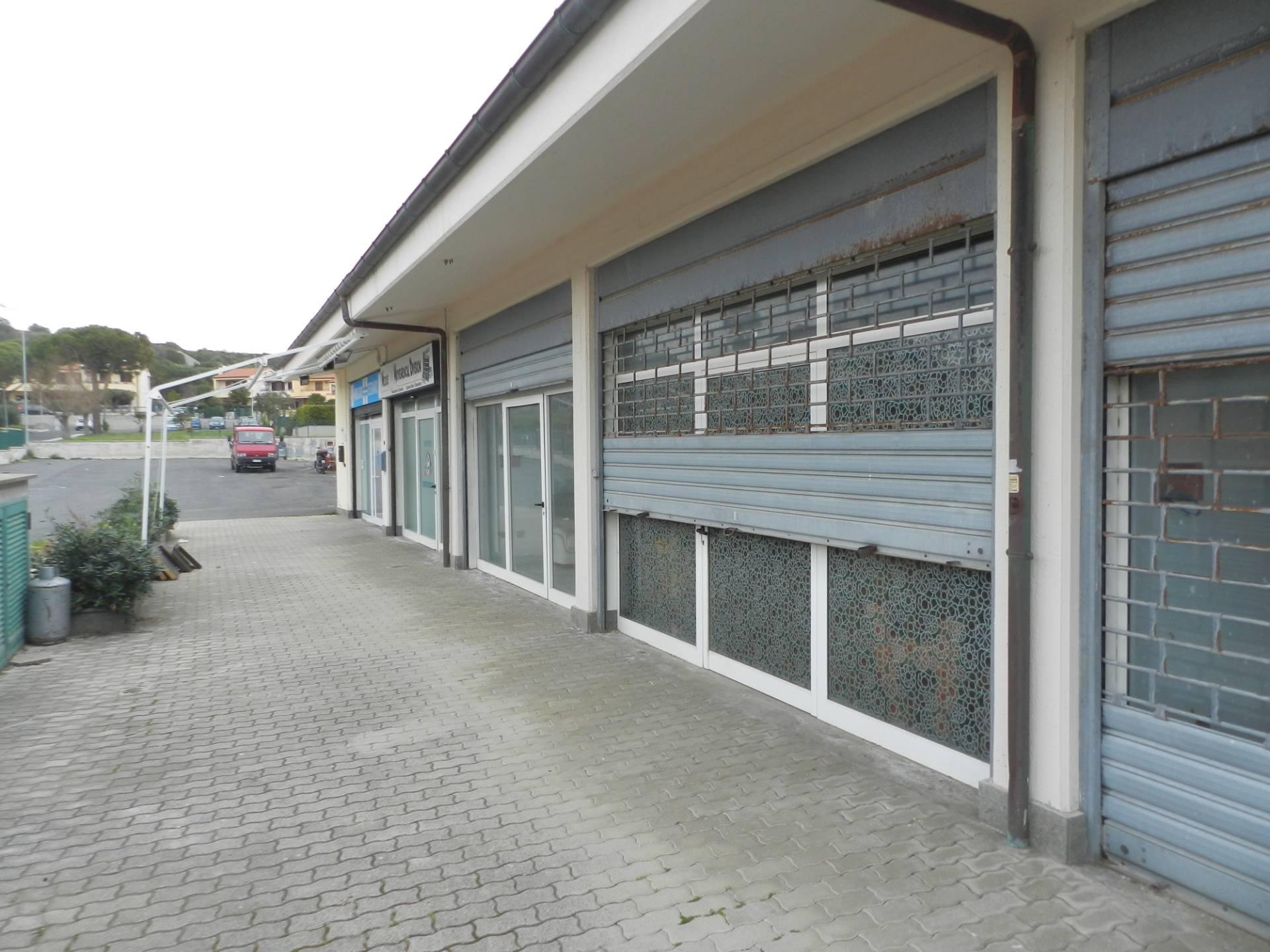 Negozio / Locale in vendita a Santa Marinella, 9999 locali, zona Località: Pratodelmare, prezzo € 38.000 | CambioCasa.it