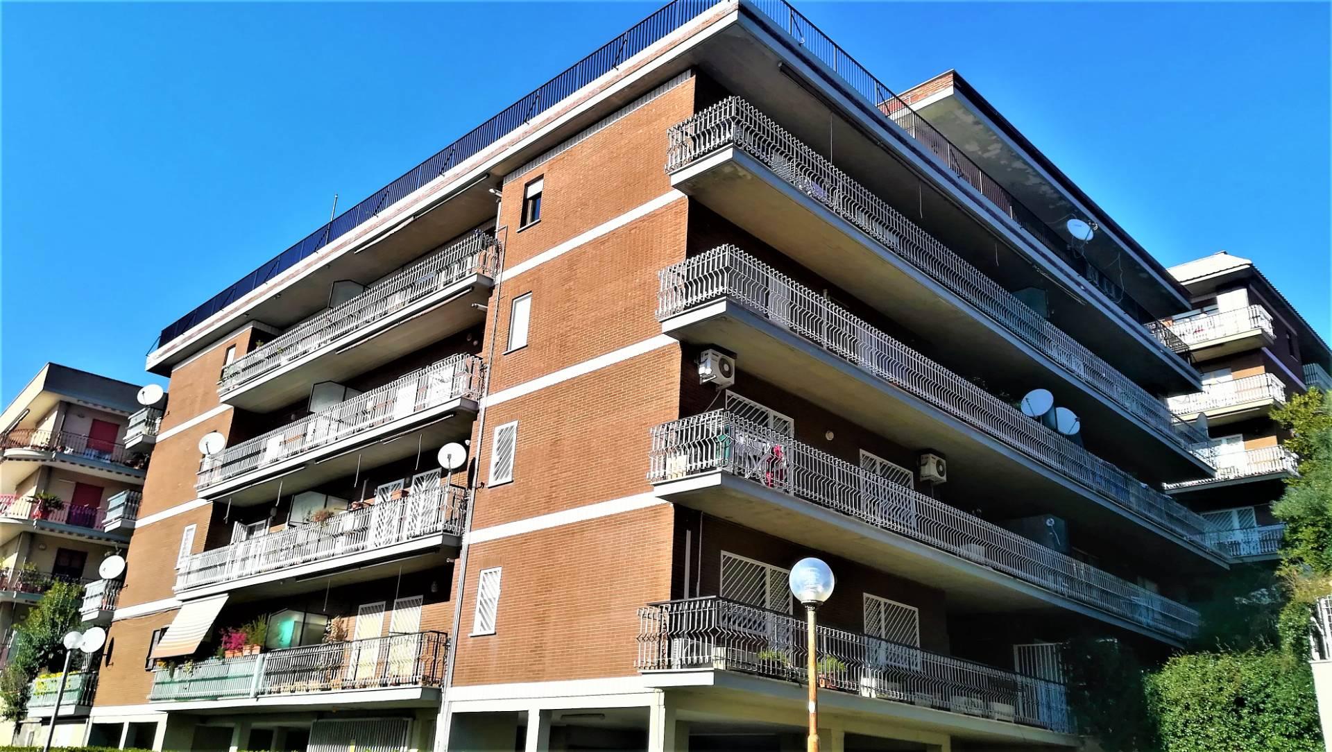 Cbi049 235 at1462 appartamento in affitto a monterotondo for Affitto ufficio monterotondo