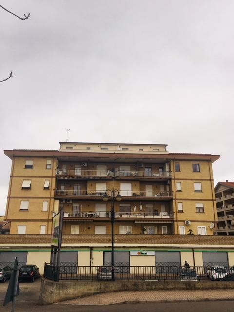 Appartamento in affitto a Civita Castellana, 6 locali, zona Località: PiazzaDellaLiberazione, prezzo € 138.000 | CambioCasa.it