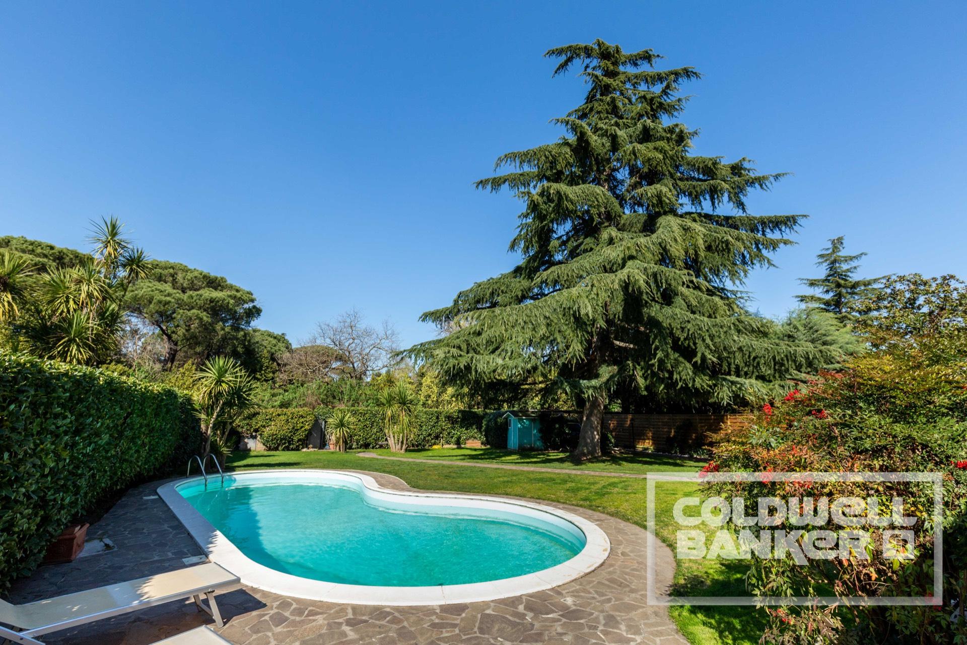 Villa in vendita a Roma, 7 locali, zona Zona: 42 . Cassia - Olgiata, prezzo € 690.000 | CambioCasa.it