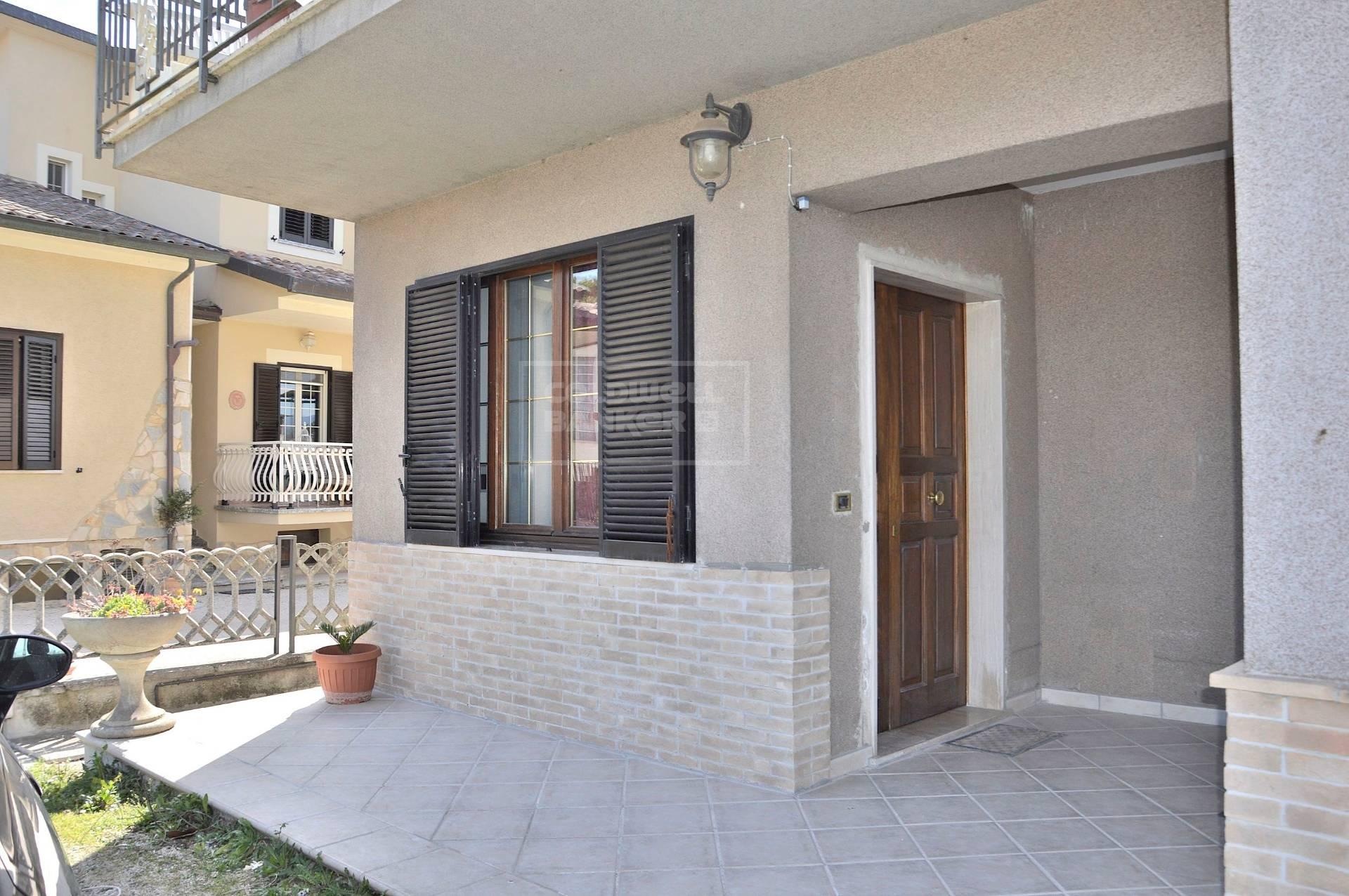 Appartamento in vendita a Trevi, 5 locali, zona Zona: Cannaiola, prezzo € 155.000   CambioCasa.it