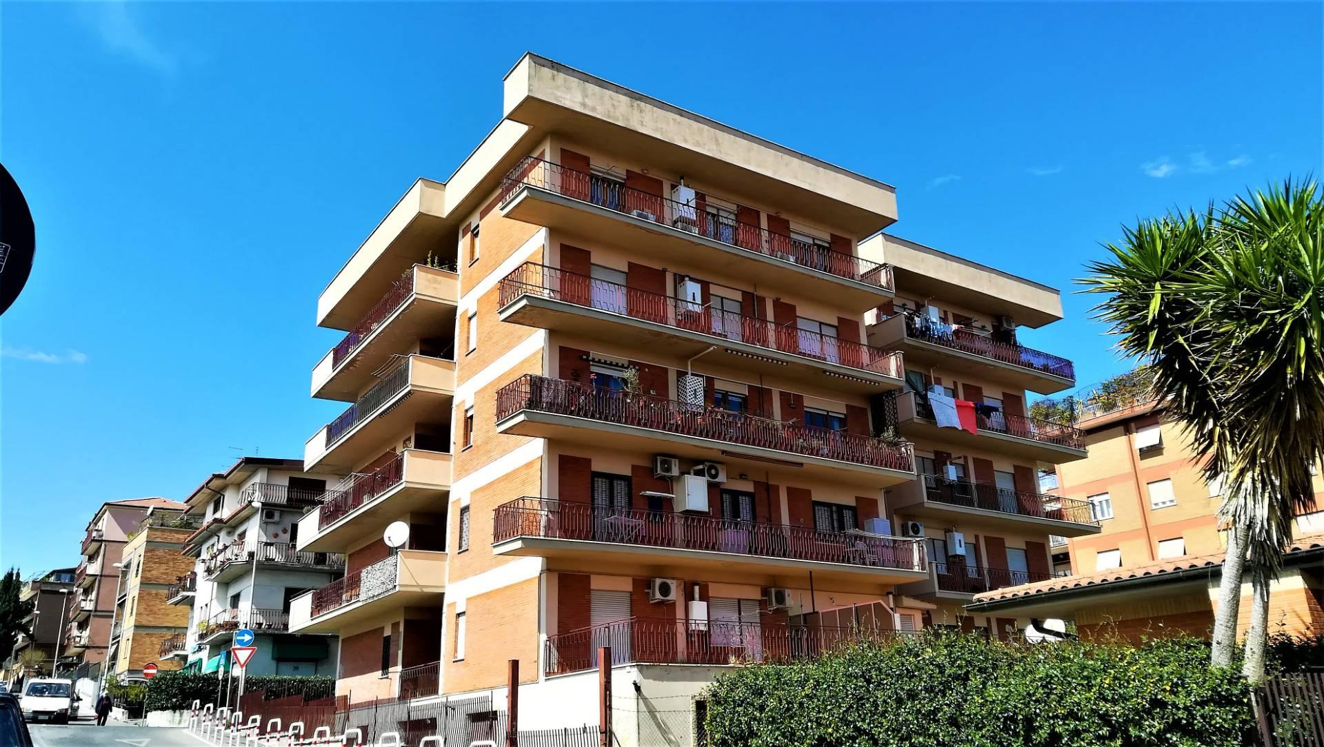 Cbi049 at1469 appartamento in affitto a monterotondo for Affitto ufficio monterotondo