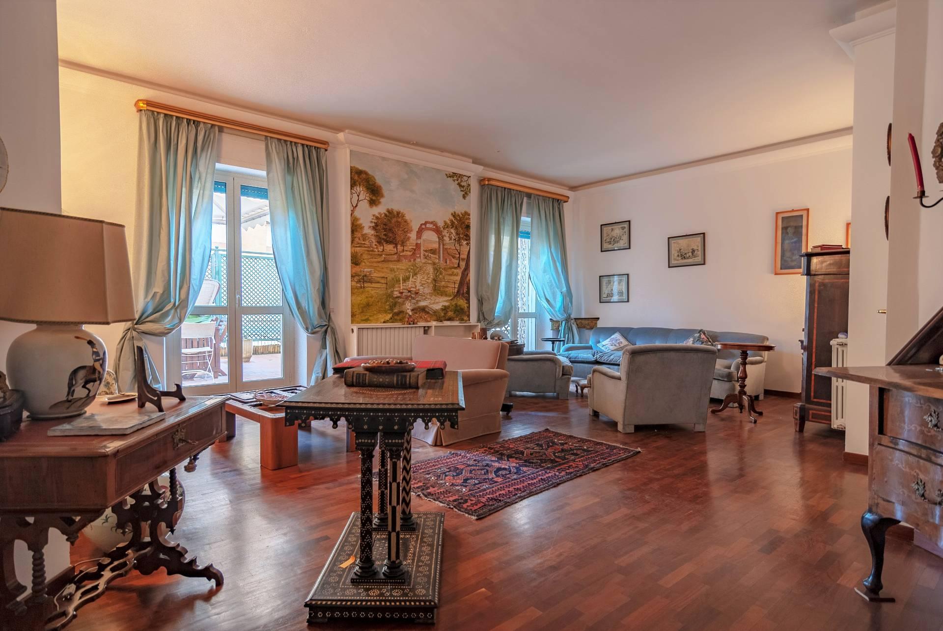 Appartamento in vendita a Viterbo, 5 locali, zona Località: LaQuercia, prezzo € 270.000   CambioCasa.it