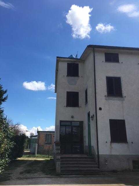 Attico / Mansarda in vendita a Civita Castellana, 6 locali, zona Località: FabricaDiRoma, prezzo € 95.000 | CambioCasa.it