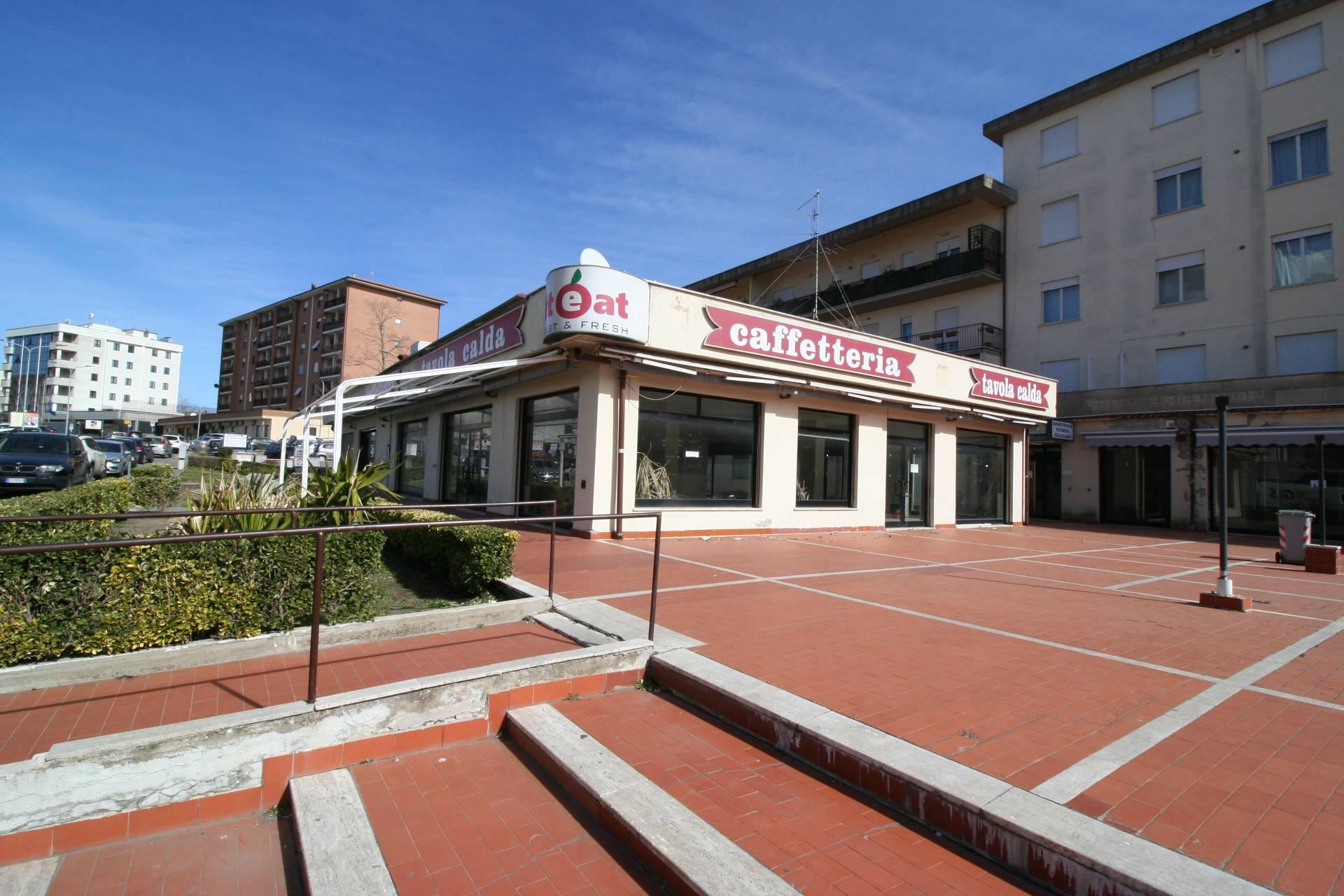Negozio / Locale in vendita a Viterbo, 9999 locali, zona Località: Garbini-Palazzina, prezzo € 330.000   CambioCasa.it