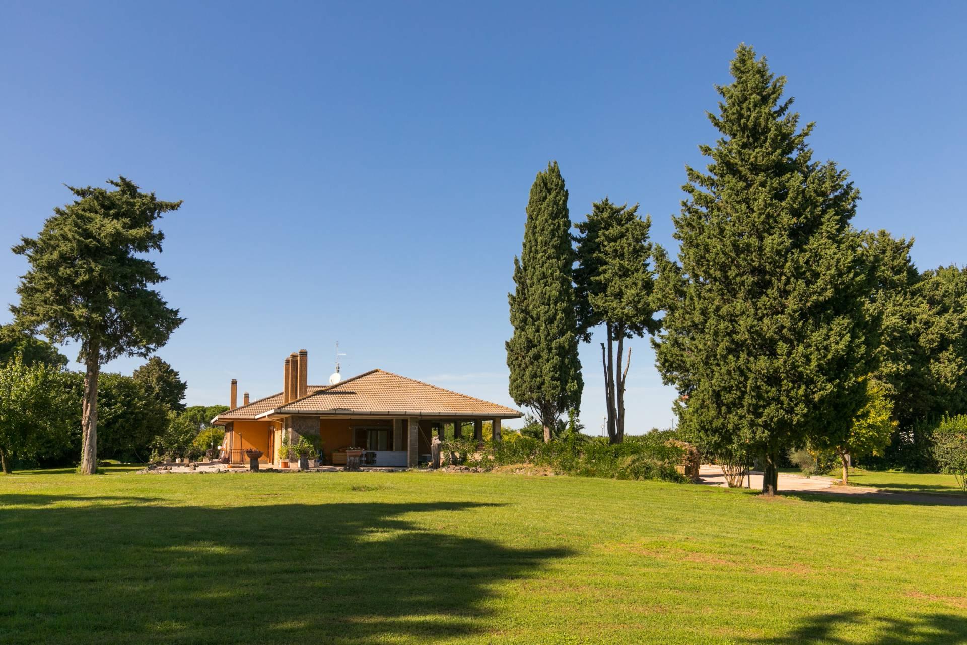 Cbi039 275 749 villa singola in affitto a roma eur for Affitto roma eur arredato