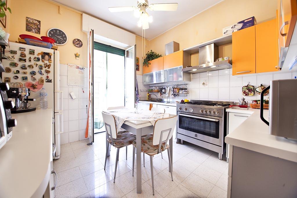 Appartamento in vendita a Viterbo, 3 locali, zona Zona: Semicentro, prezzo € 109.000 | CambioCasa.it