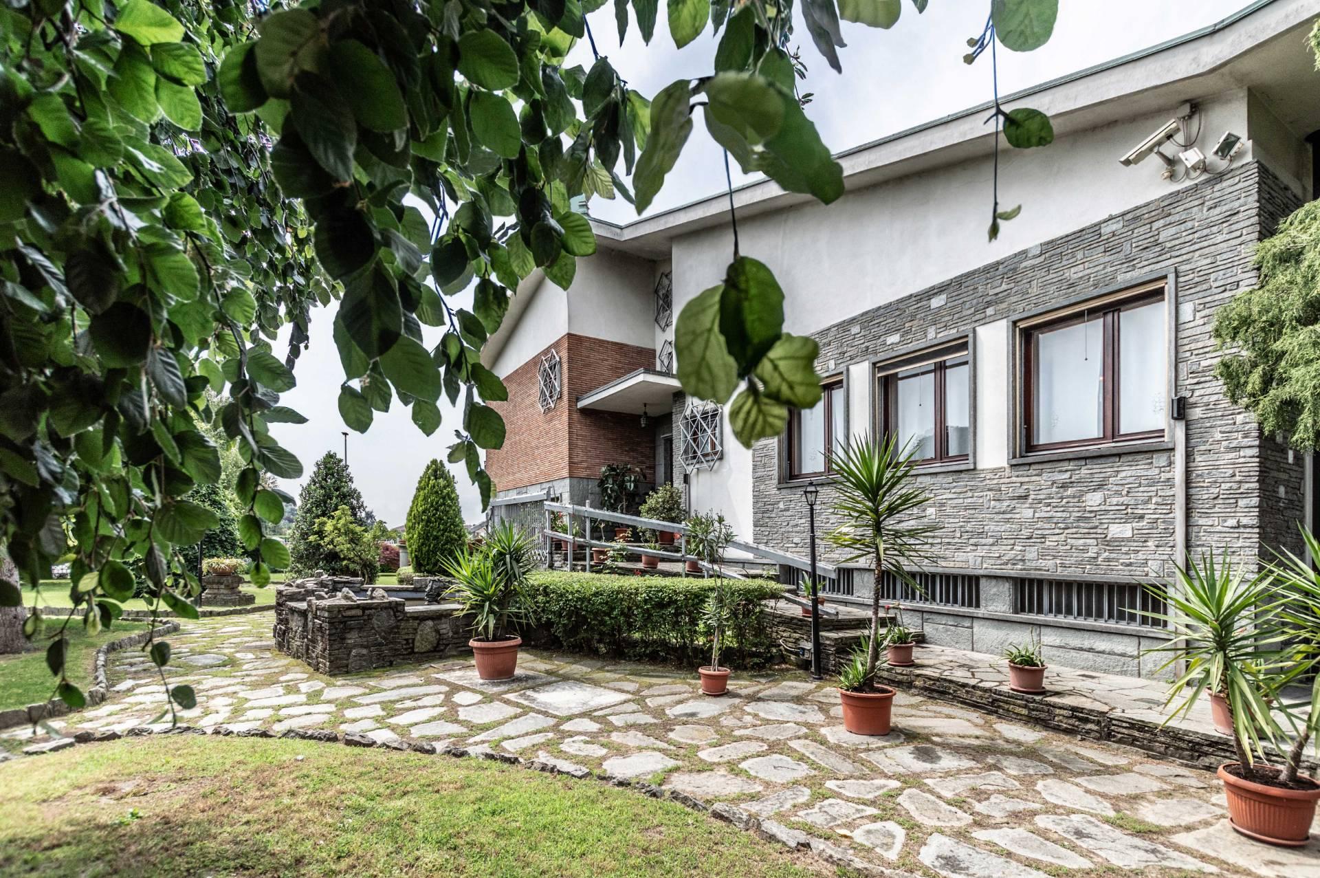 Villa in vendita a Vinovo, 10 locali, prezzo € 796.000 | PortaleAgenzieImmobiliari.it