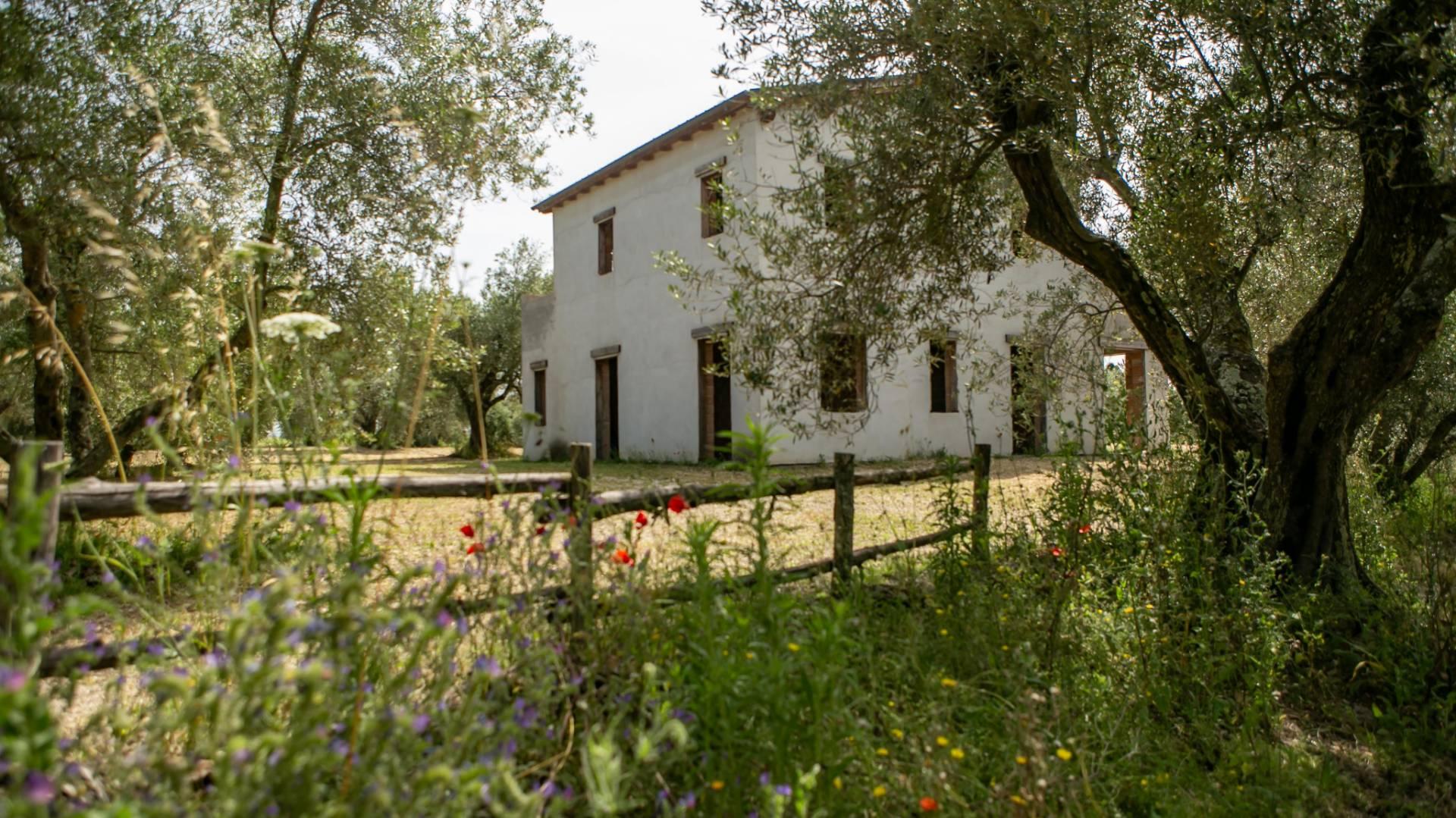 Rustico / Casale in vendita a Canino, 10 locali, zona Località: Vulci, prezzo € 190.000   CambioCasa.it