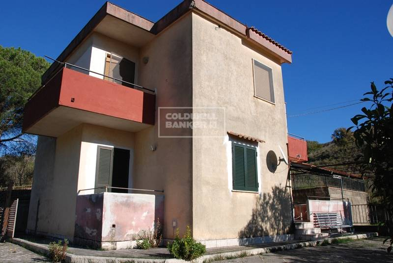 Appartamento in vendita a Pollica, 3 locali, zona Zona: Pioppi, prezzo € 110.000 | CambioCasa.it