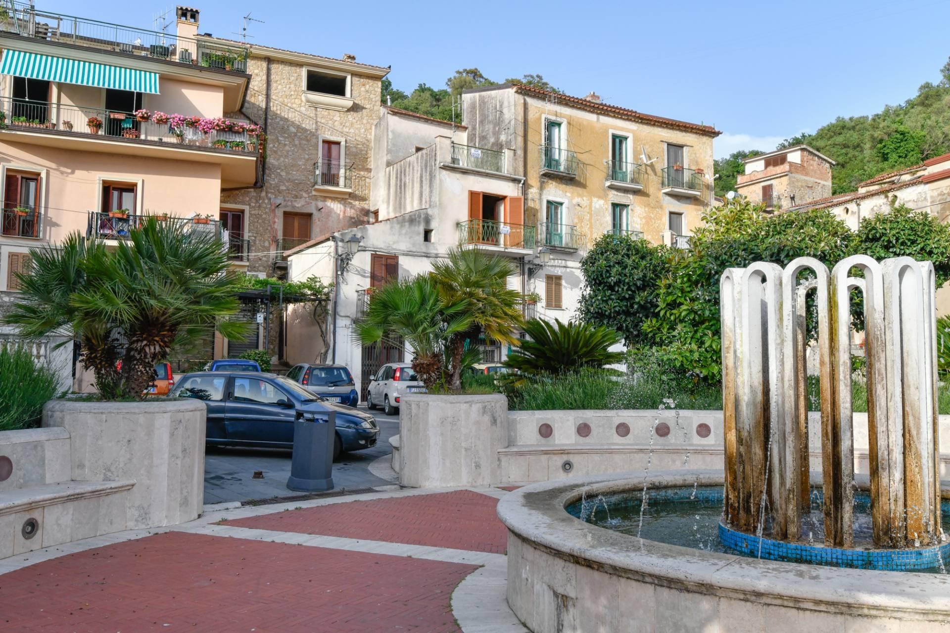 Appartamento in vendita a Centola, 9 locali, zona nuro, prezzo € 150.000 | PortaleAgenzieImmobiliari.it