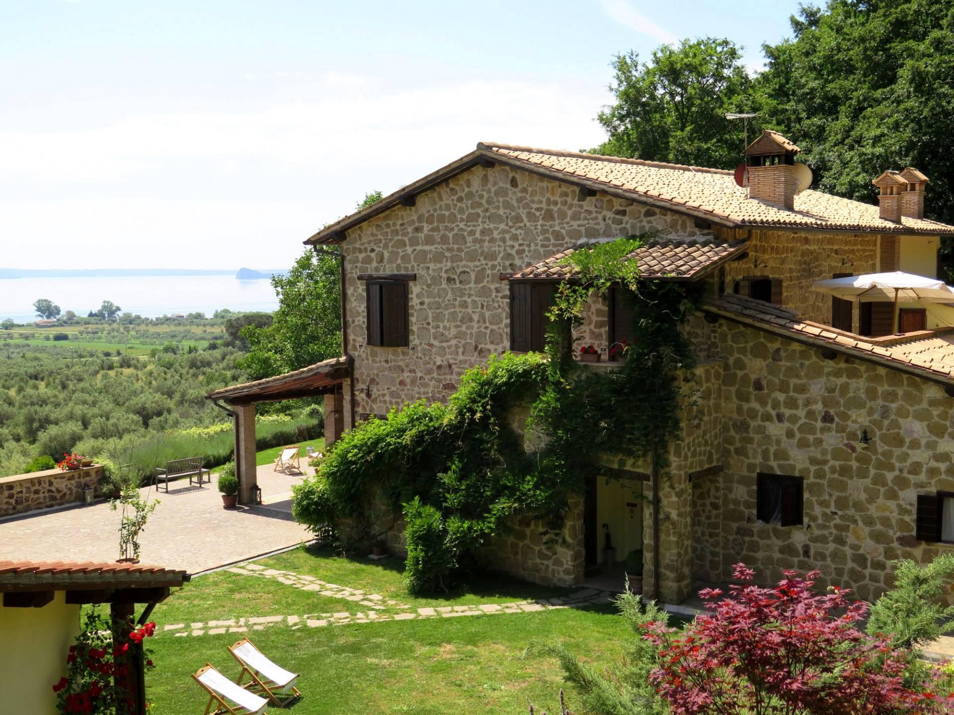 Rustico / Casale in vendita a Bolsena, 13 locali, prezzo € 1.450.000   CambioCasa.it