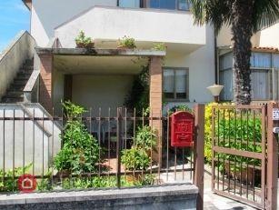 Appartamento in vendita a Bolsena, 4 locali, prezzo € 100.000 | PortaleAgenzieImmobiliari.it