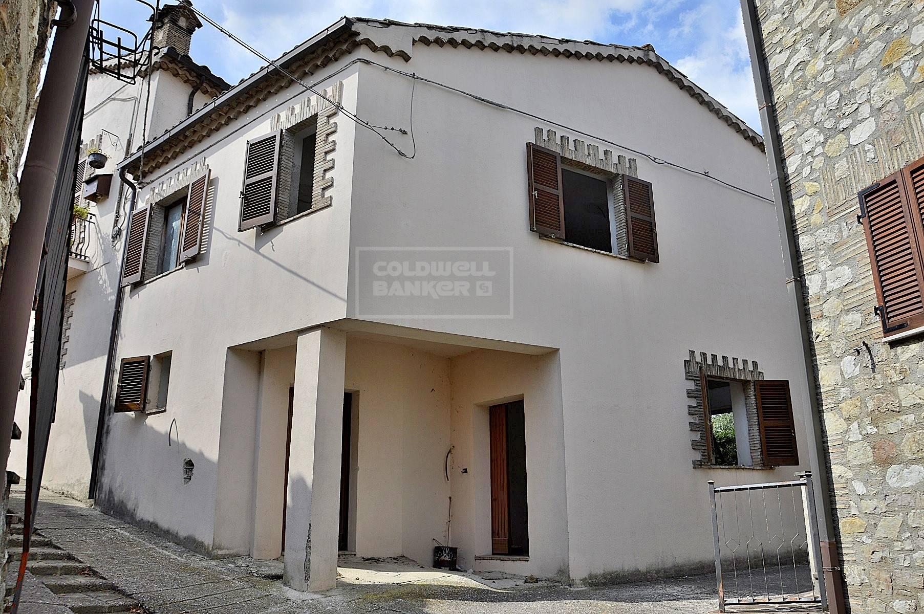 Soluzione Semindipendente in vendita a Ferentillo, 5 locali, zona Zona: Macchialunga, prezzo € 27.000 | CambioCasa.it